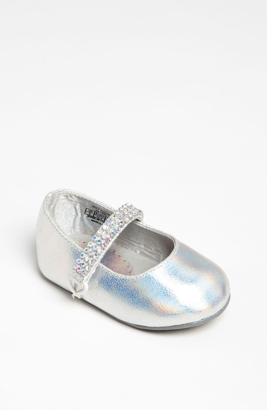 Alternate Image 1 Selected - Stuart Weitzman 'Baby Sugar' Crib Shoe (Baby)