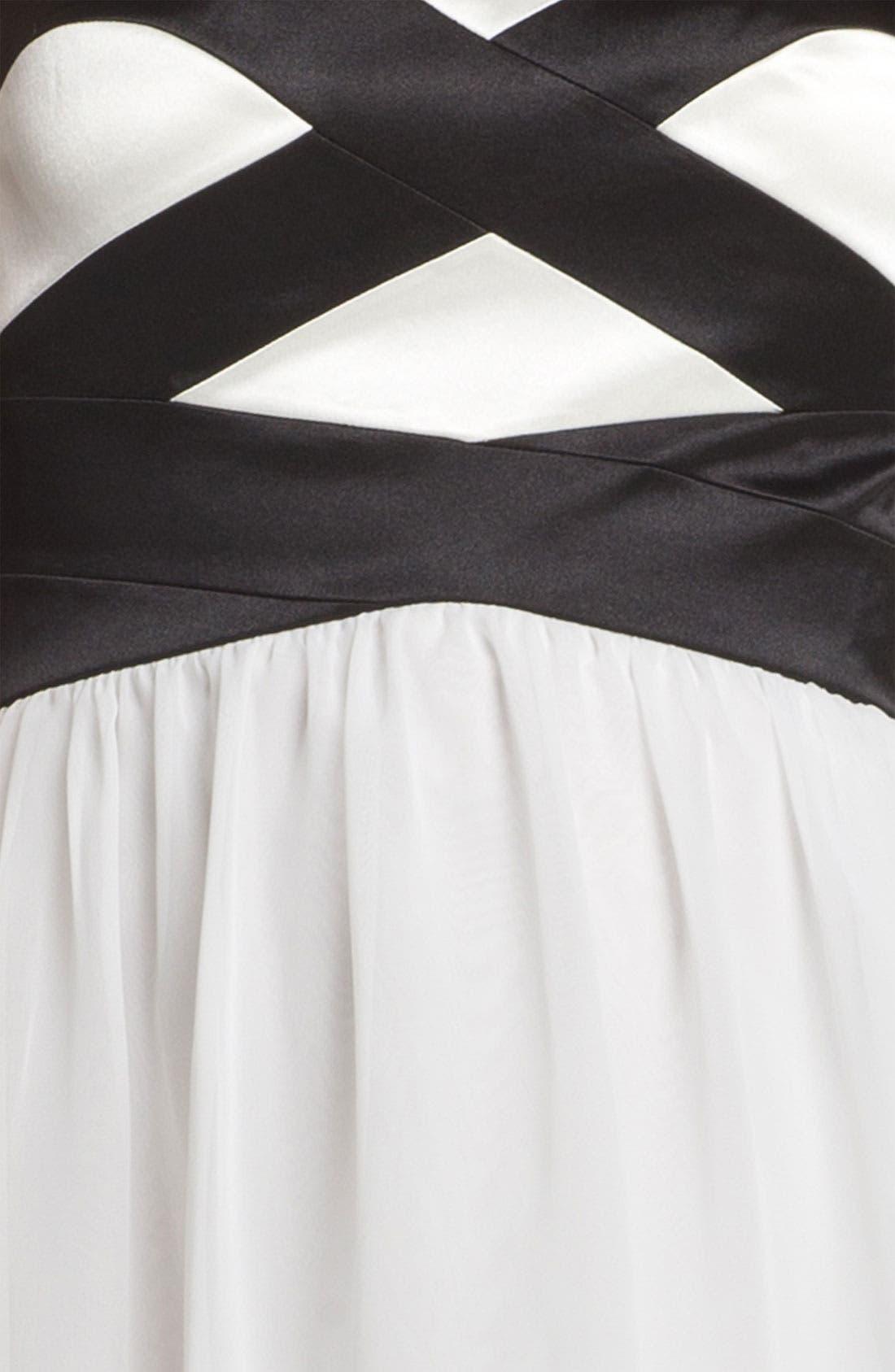 Alternate Image 3  - Hailey Logan Sweetheart Chiffon Dress (Juniors) (Online Only)
