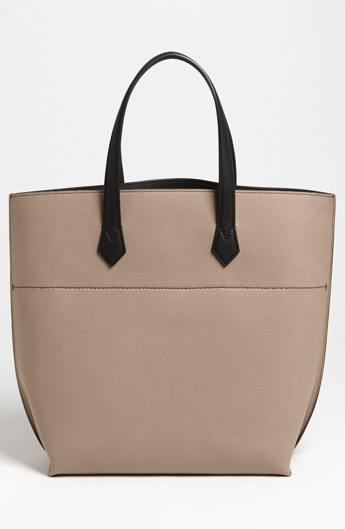 Alternate Image 4  - Fendi 'All In' Leather Shopper