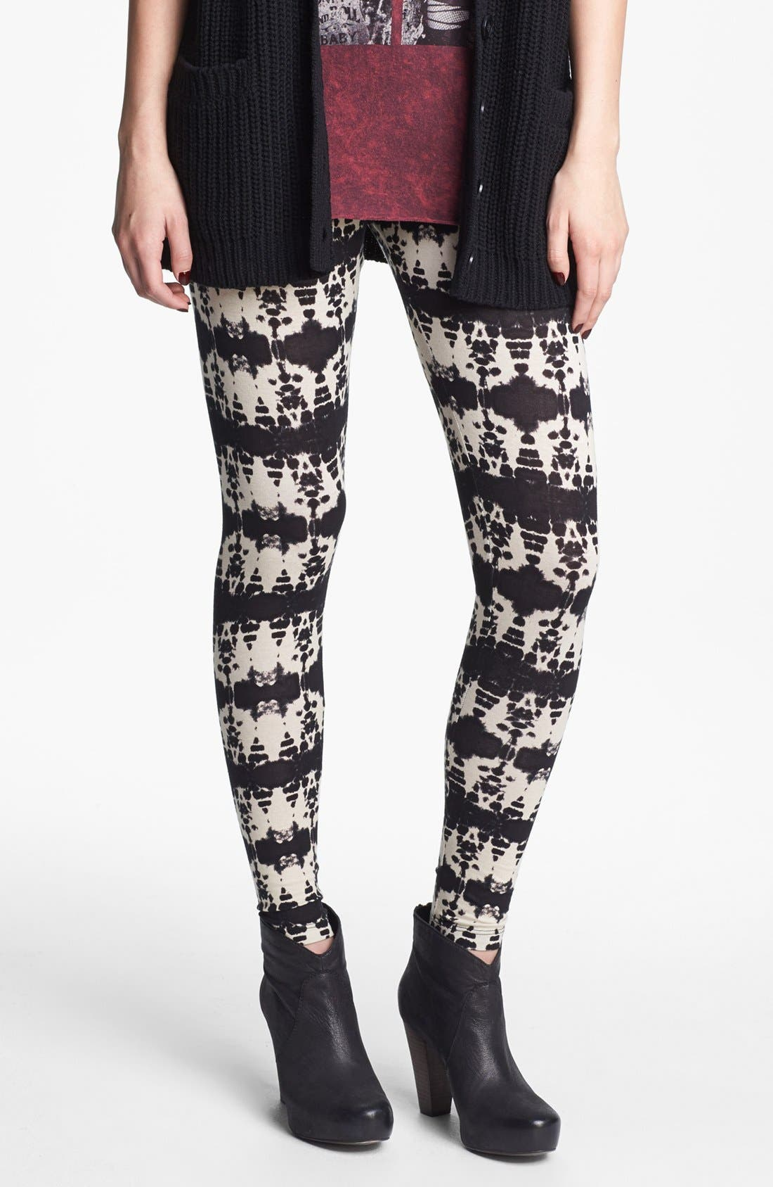 Alternate Image 1 Selected - h.i.p. Print Leggings (Juniors) (Online Only)