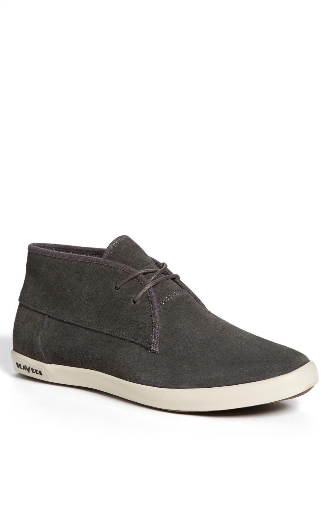 Main Image - SeaVees '04/60 Two-Eye Floater' Chukka Boot