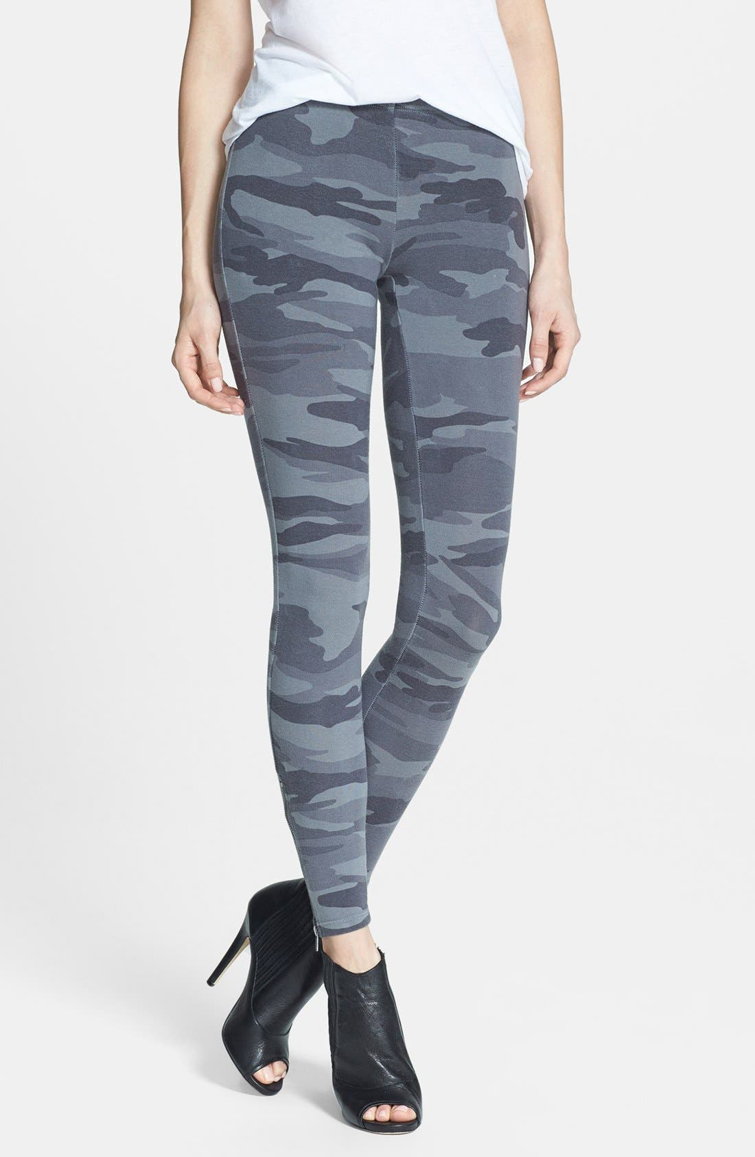 Alternate Image 1 Selected - Splendid Camouflage Print Leggings