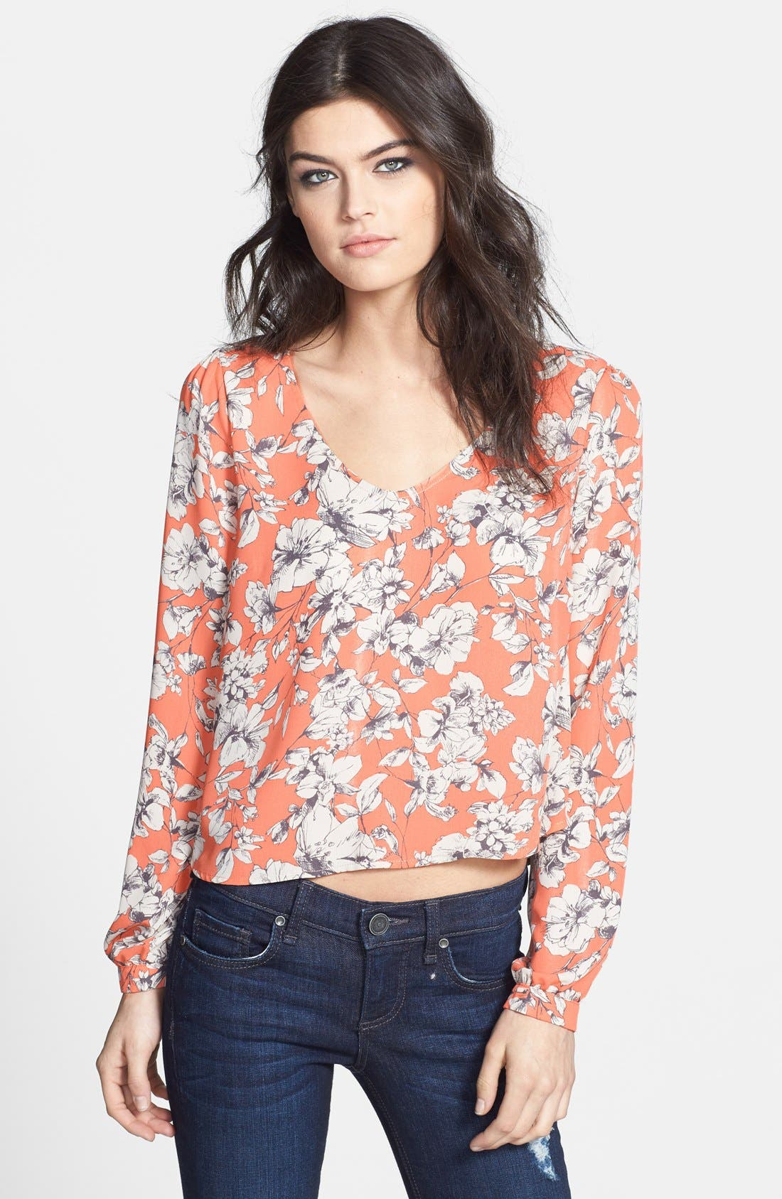 Main Image - ASTR Long Sleeve Crop Blouse
