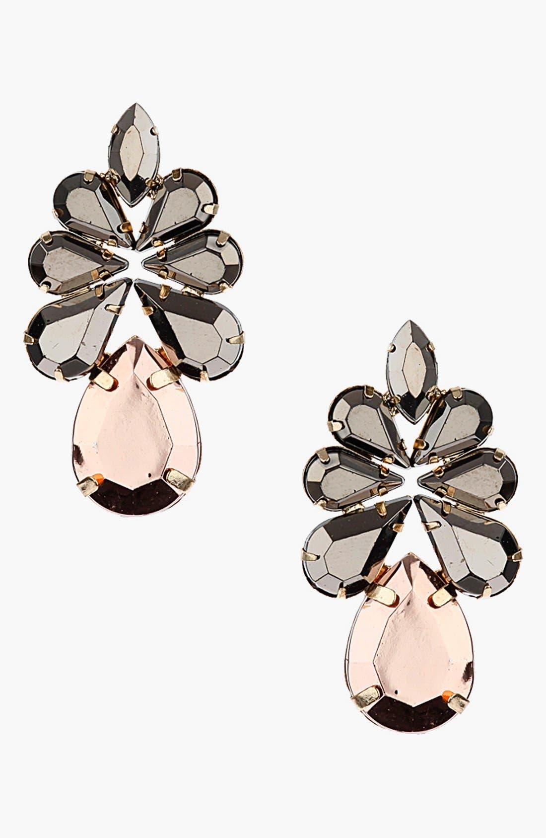 Main Image - Topshop Teardrop Earrings