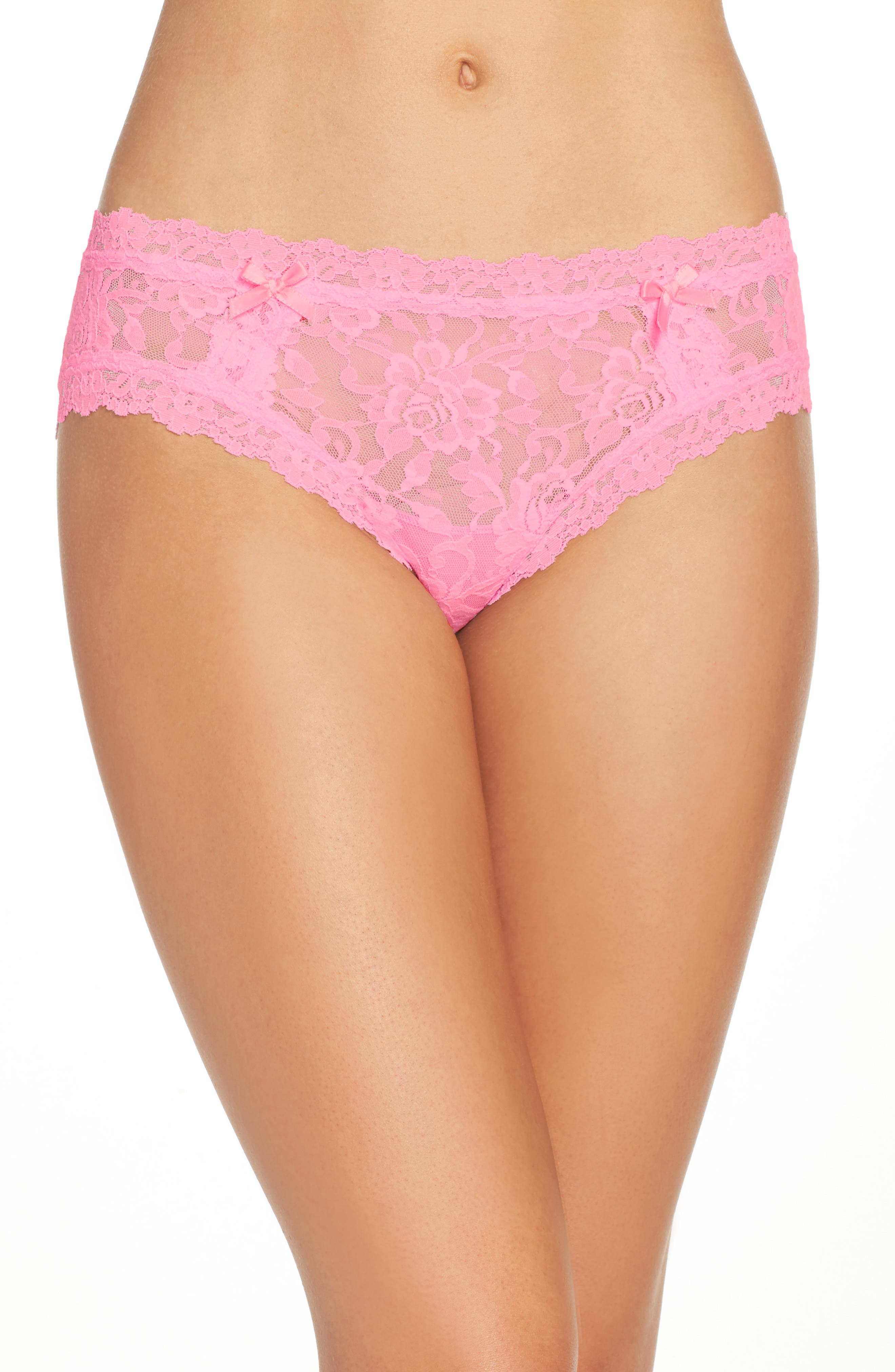 Alternate Image 1 Selected - Hanky Panky 'Signature Lace' Cheeky Hipster Briefs
