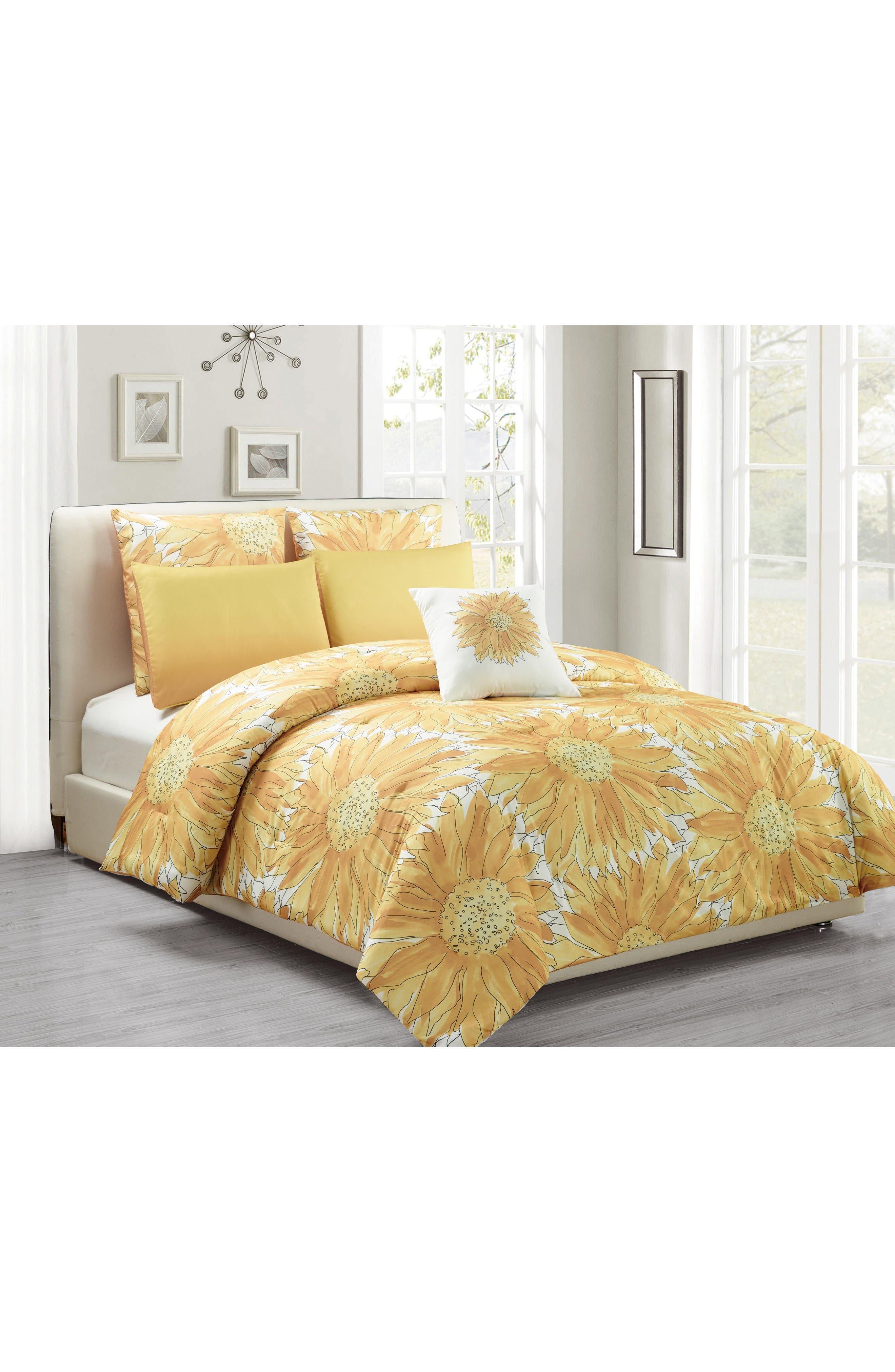 Alternate Image 2  - Vera Adelphie 6-Piece Queen Comforter Set