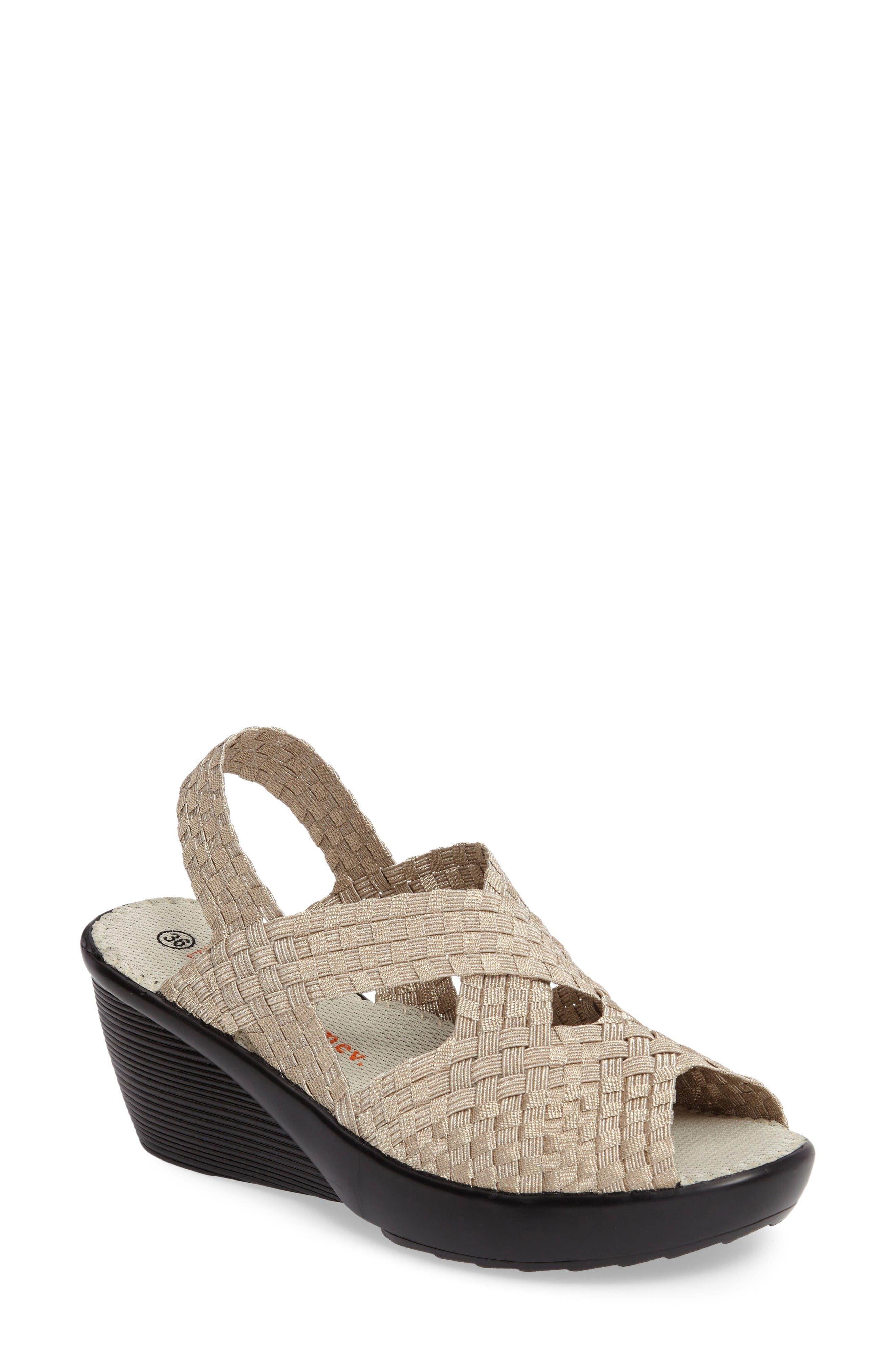 bernie mev. Fresh Brighten Sandal (Women)