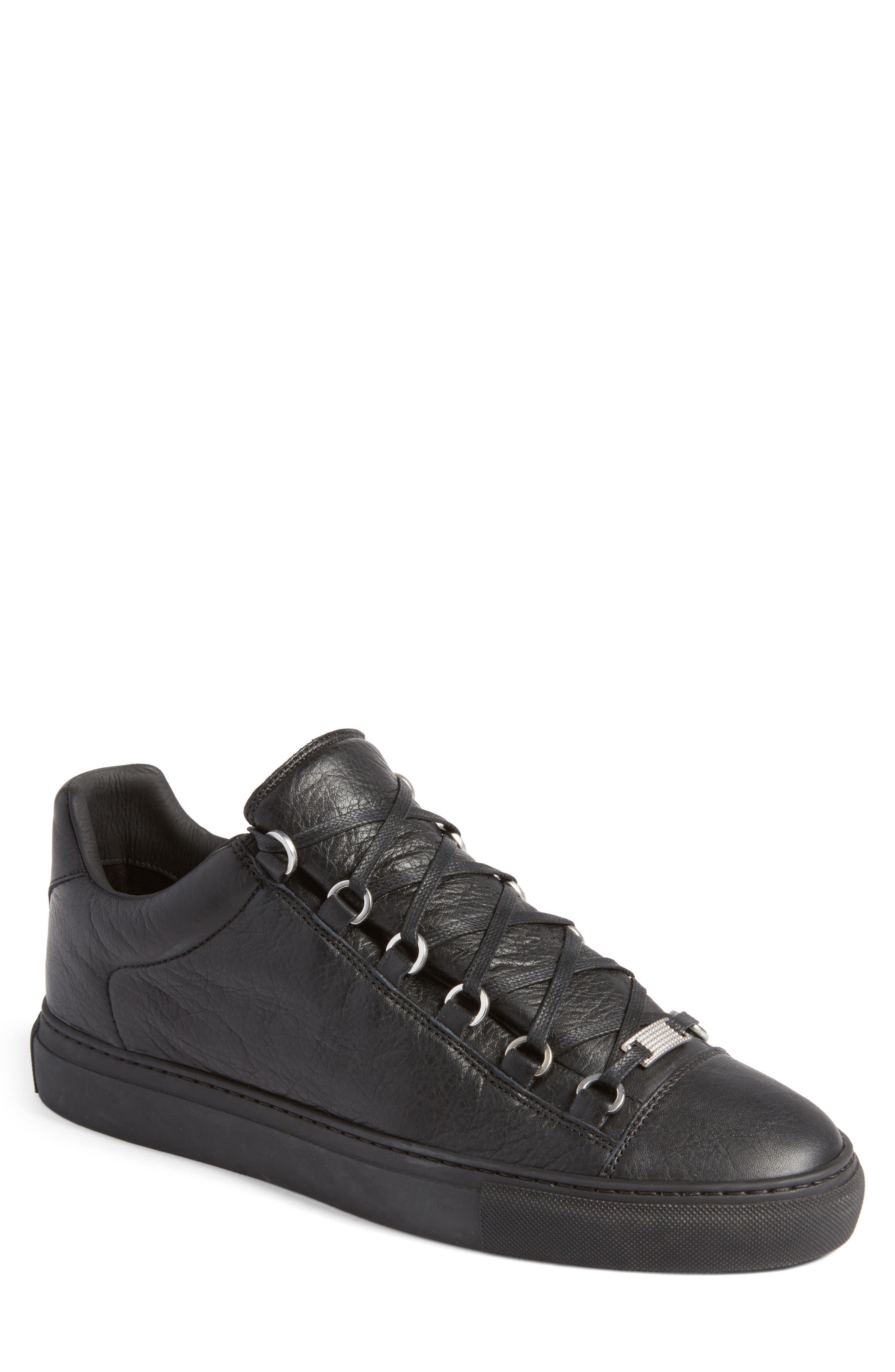 Alternate Image 1 Selected - Balenciaga Arena Low Sneaker (Men)