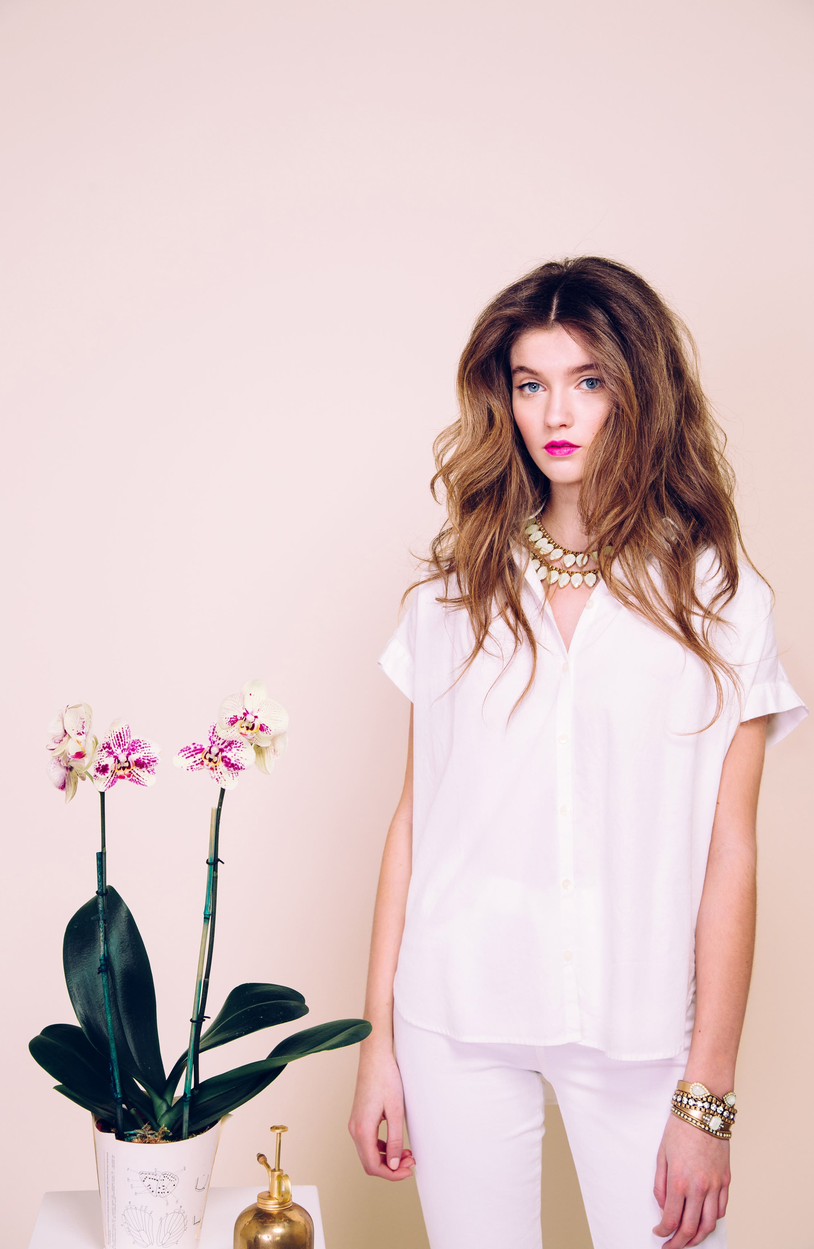 'Sylvia' Crystal Collar Necklace,                             Alternate thumbnail 4, color,                             Milky Green