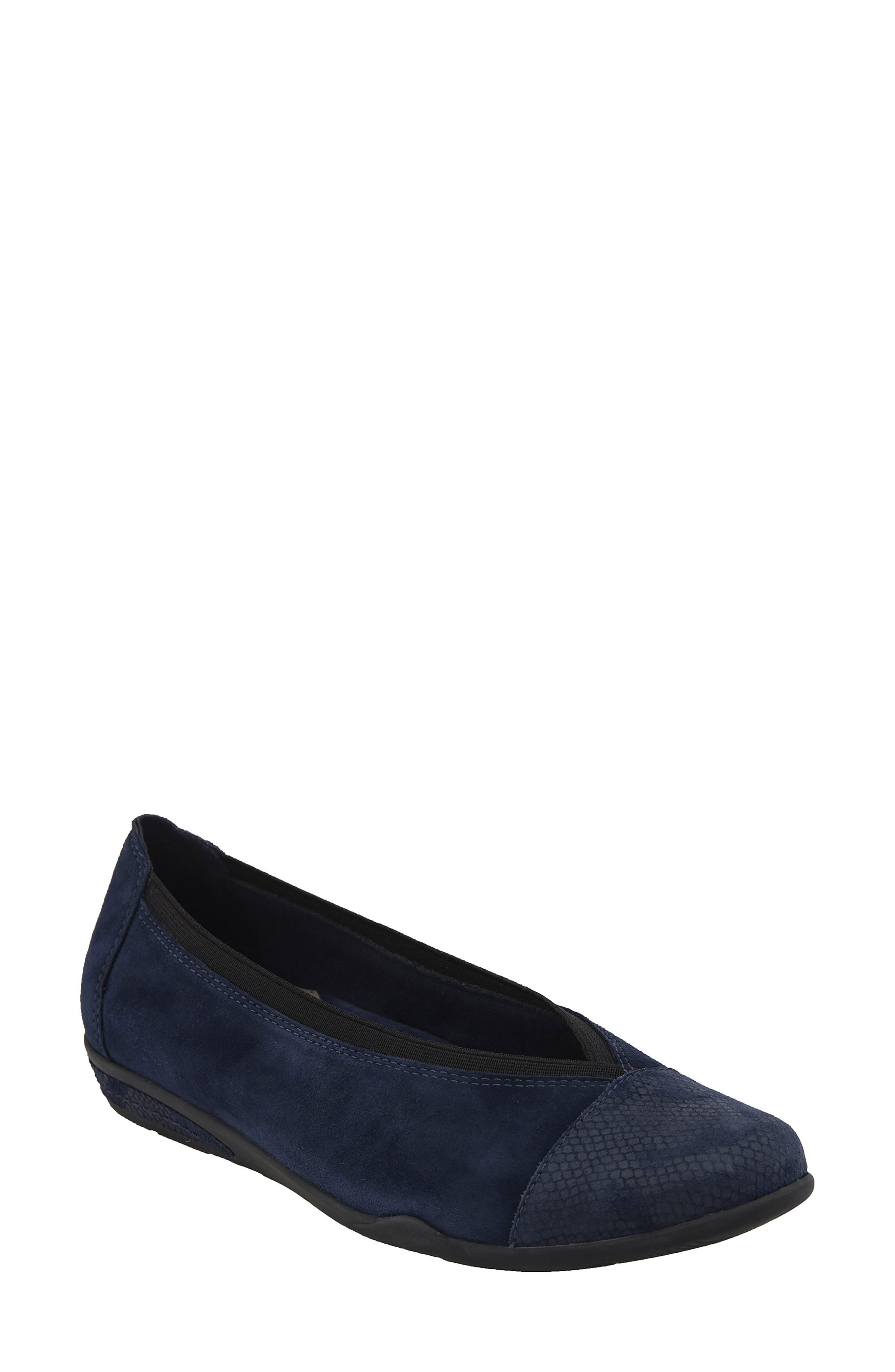 Earth® Mara Cap Toe Flat (Women)