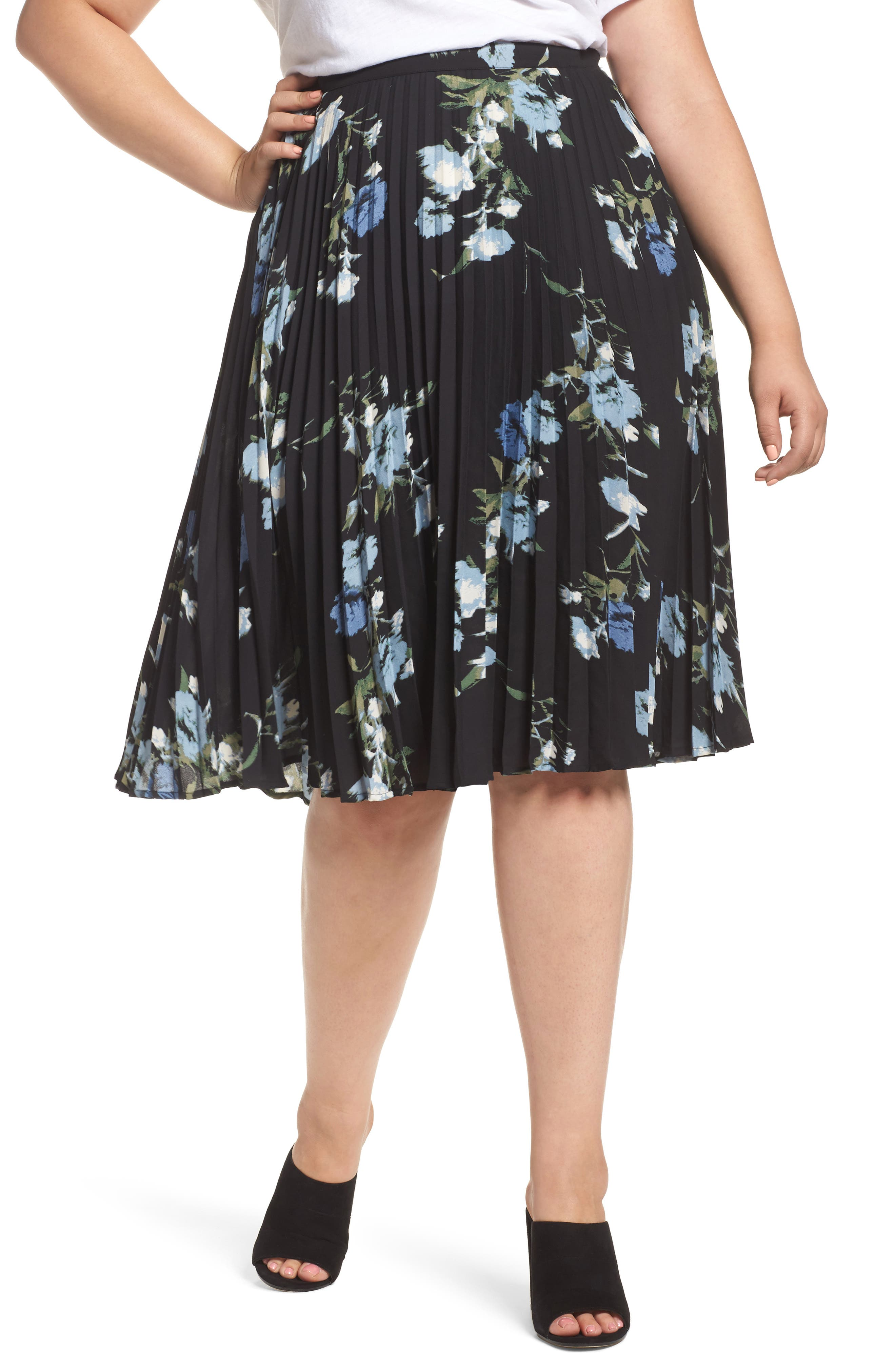 Main Image - Vince Camuto Windswept Bouquet Pleated Skirt (Plus Size)
