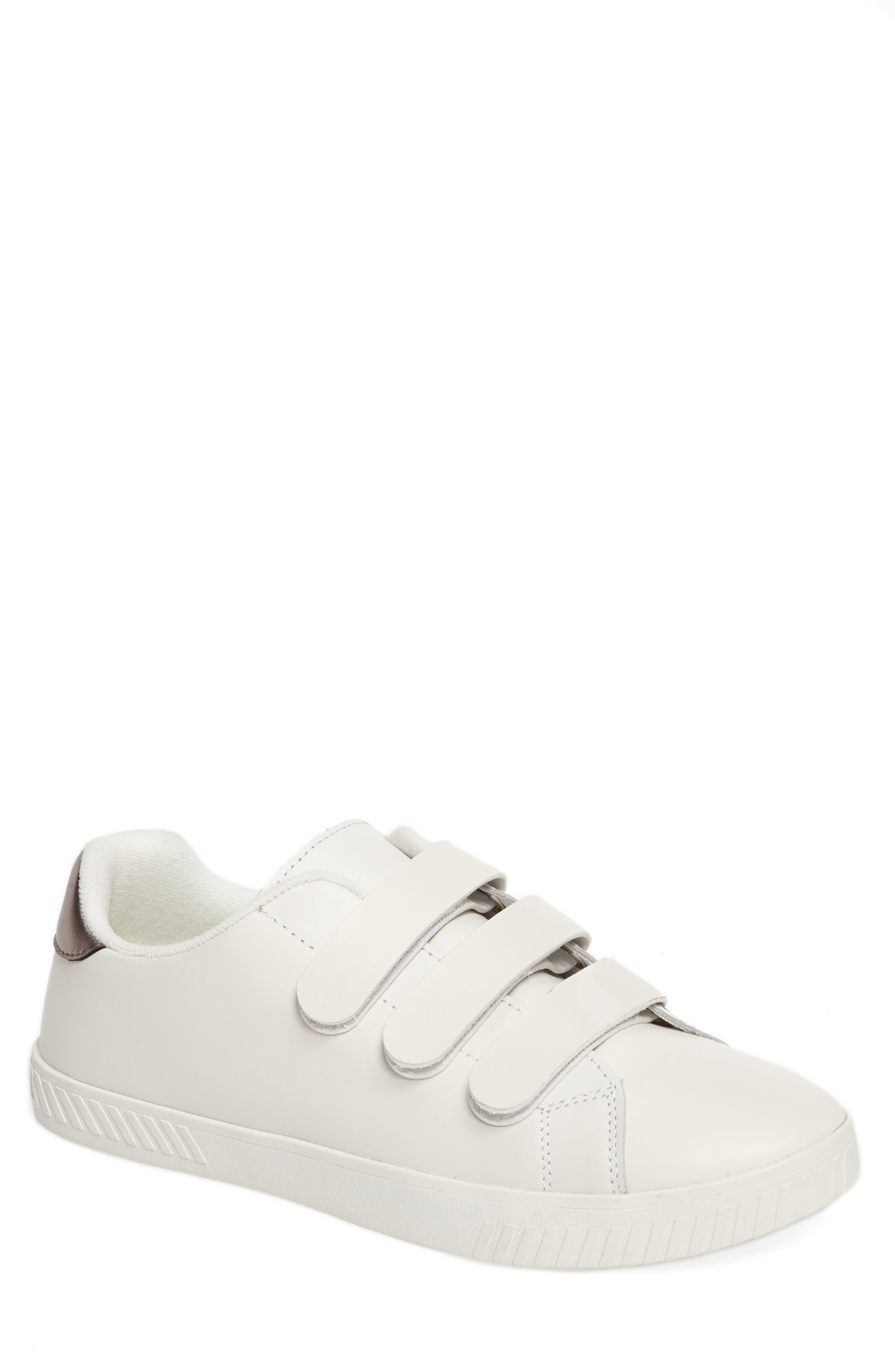 Alternate Image 1 Selected - Tretorn Carry 2 Sneaker (Men)