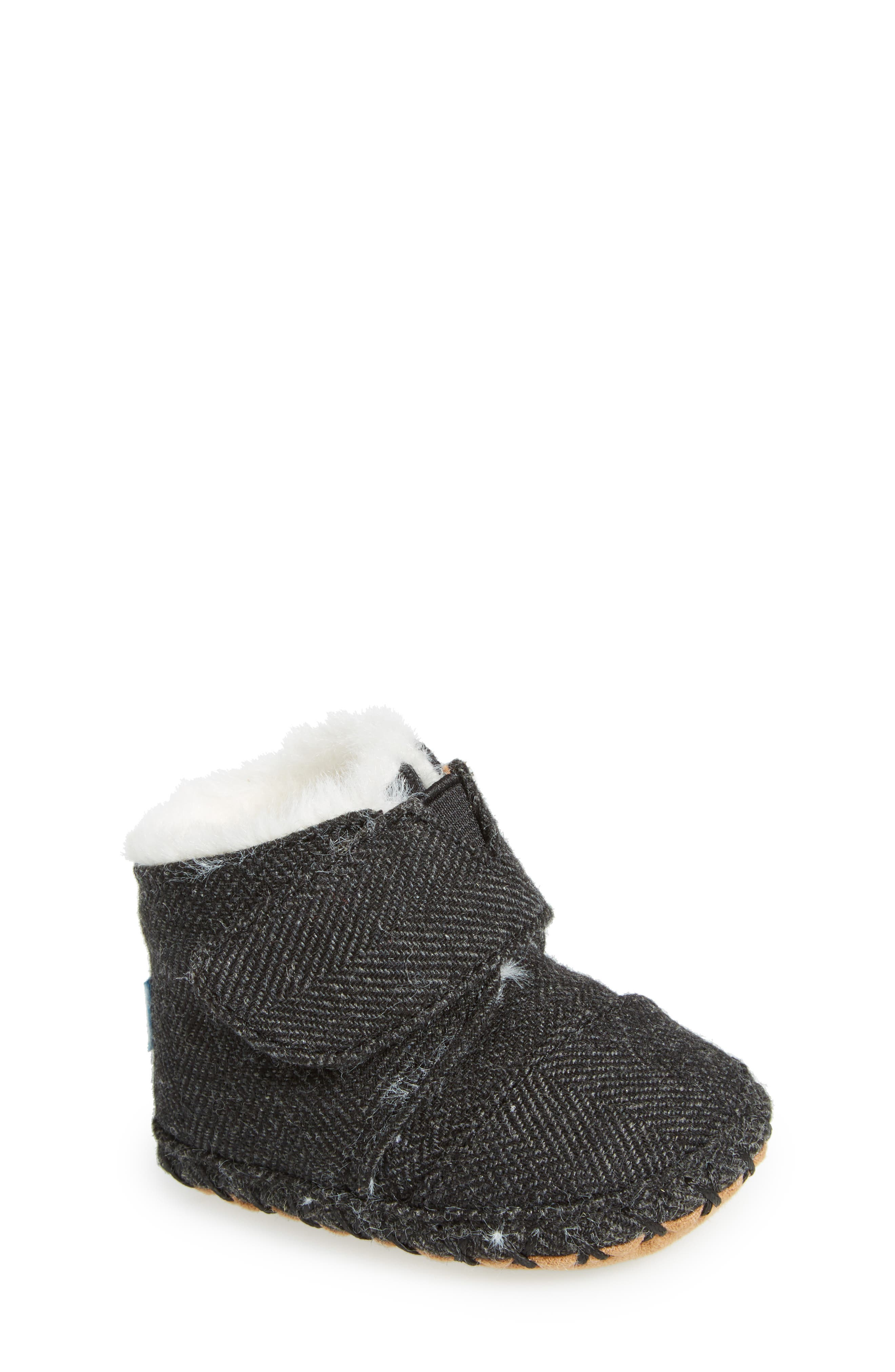 TOMS Tiny Cuna Faux Fur Crib Bootie (Baby)