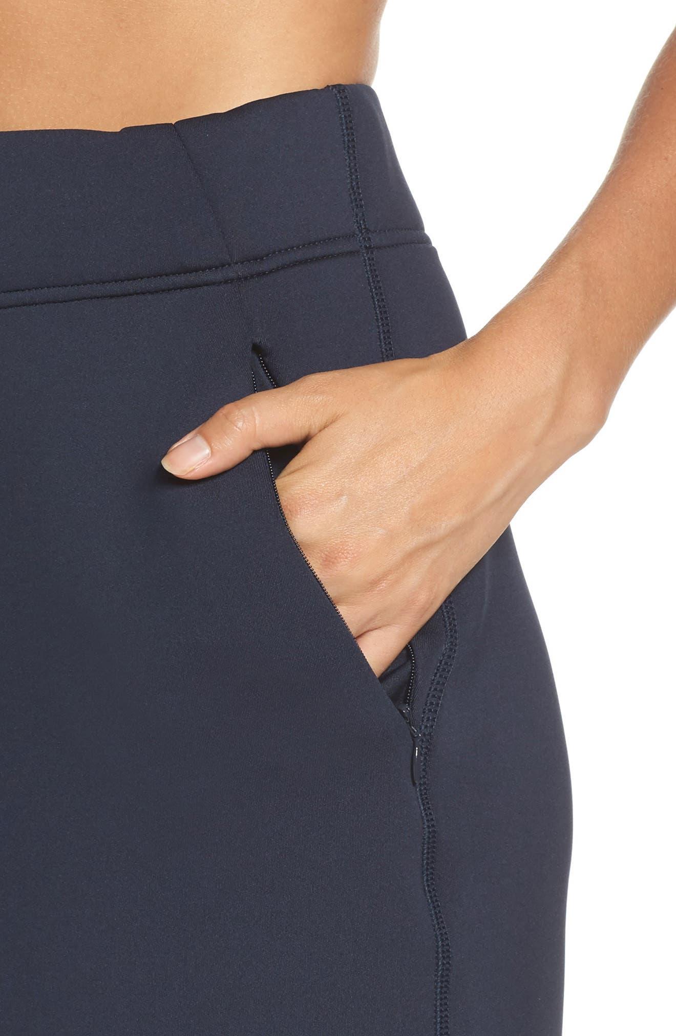Alternate Image 4  - Nike Therma Sphere Max Crop Pants