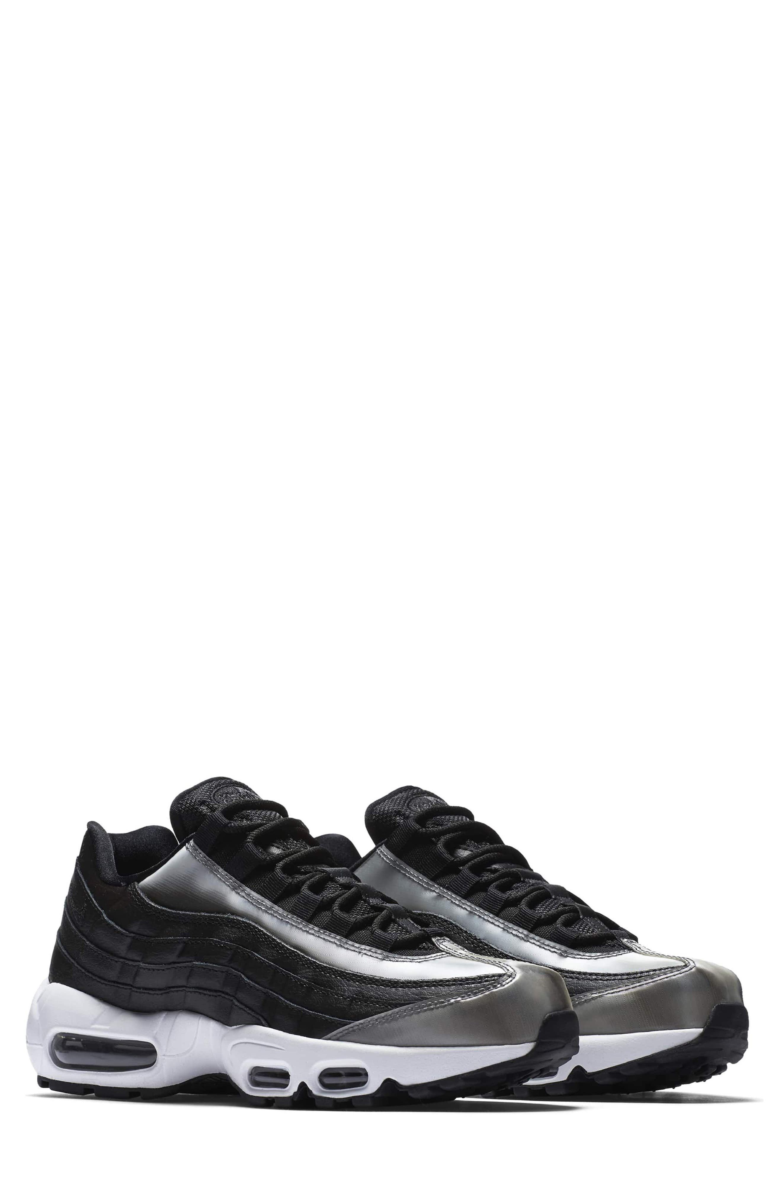Nike Air Max 95 SE Running Shoe (Women)