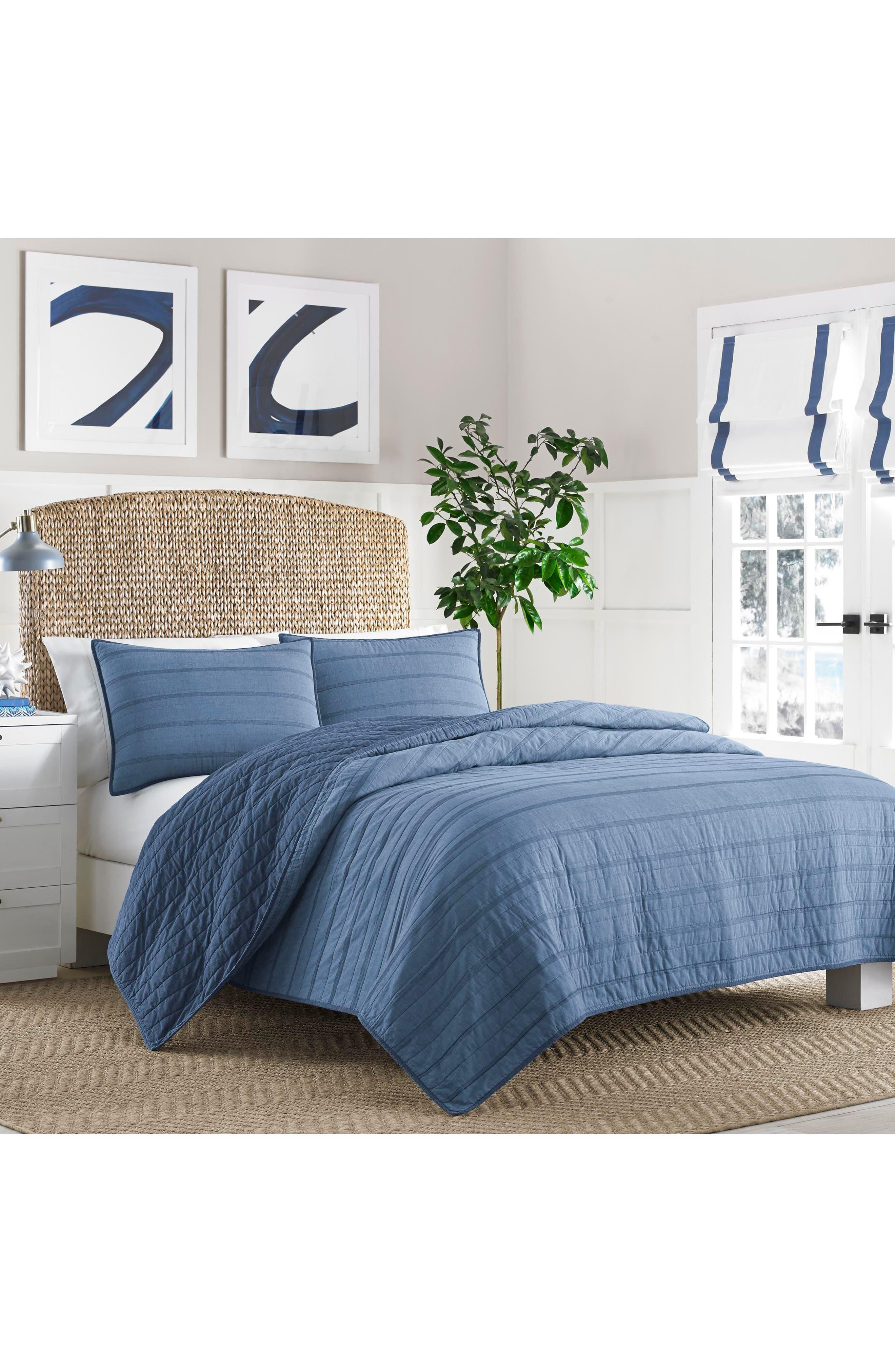 Buchanan Quilt,                         Main,                         color, Medium Blue