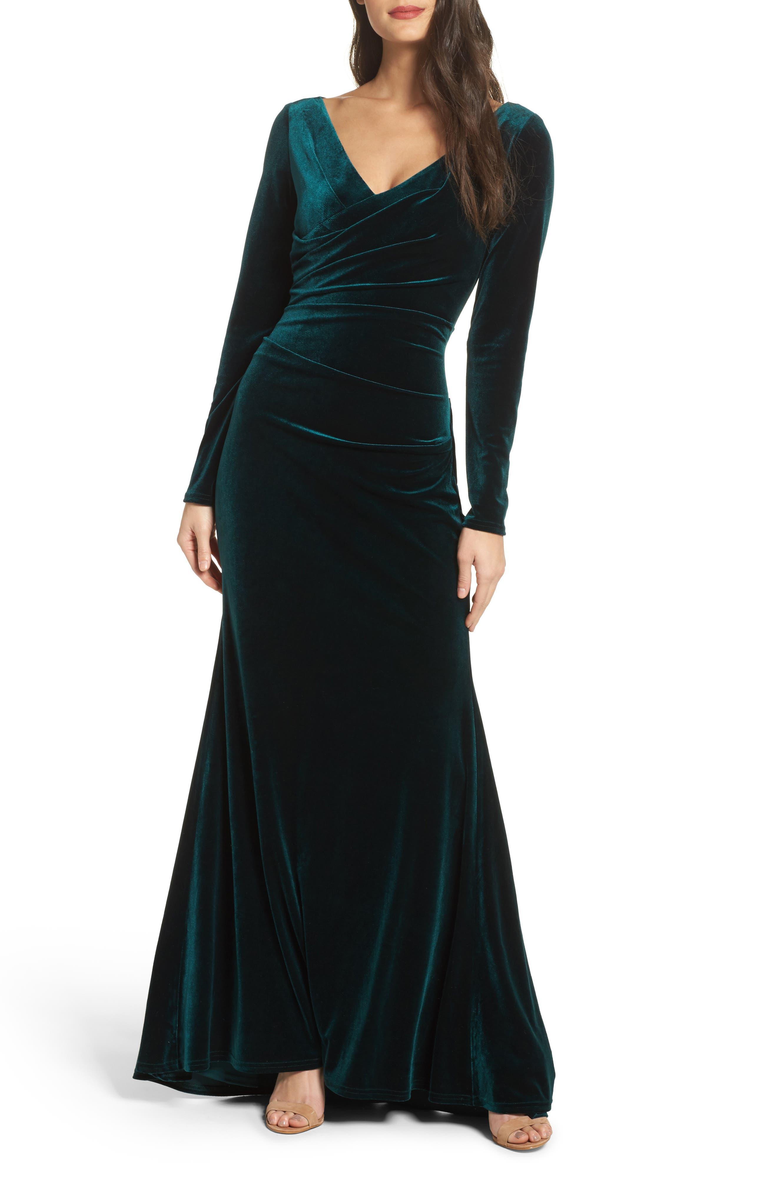 Main Image - Vince Camuto Velvet Gown (Regular & Petite)