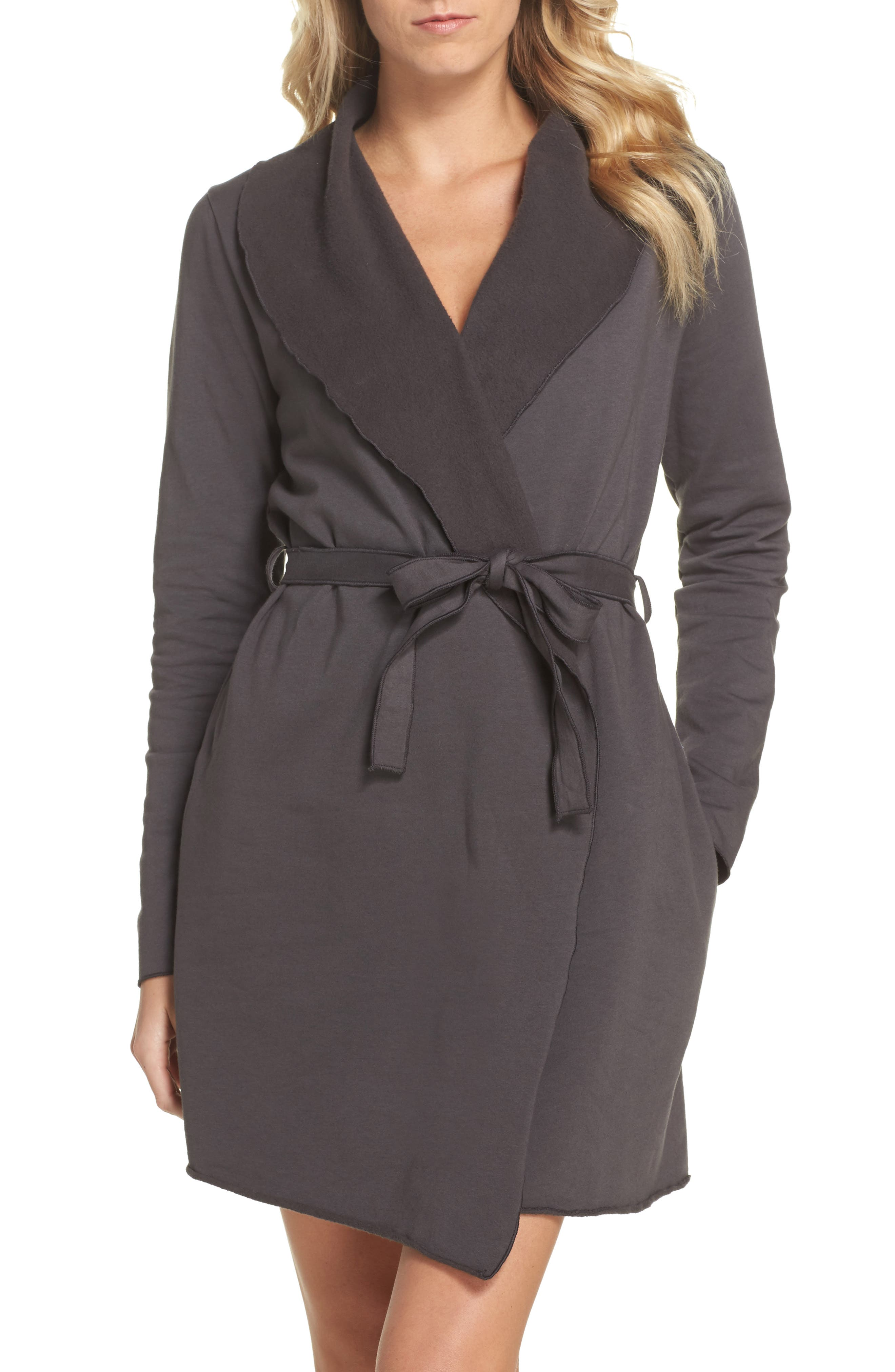 Love+Grace Willa Fleece Short Robe