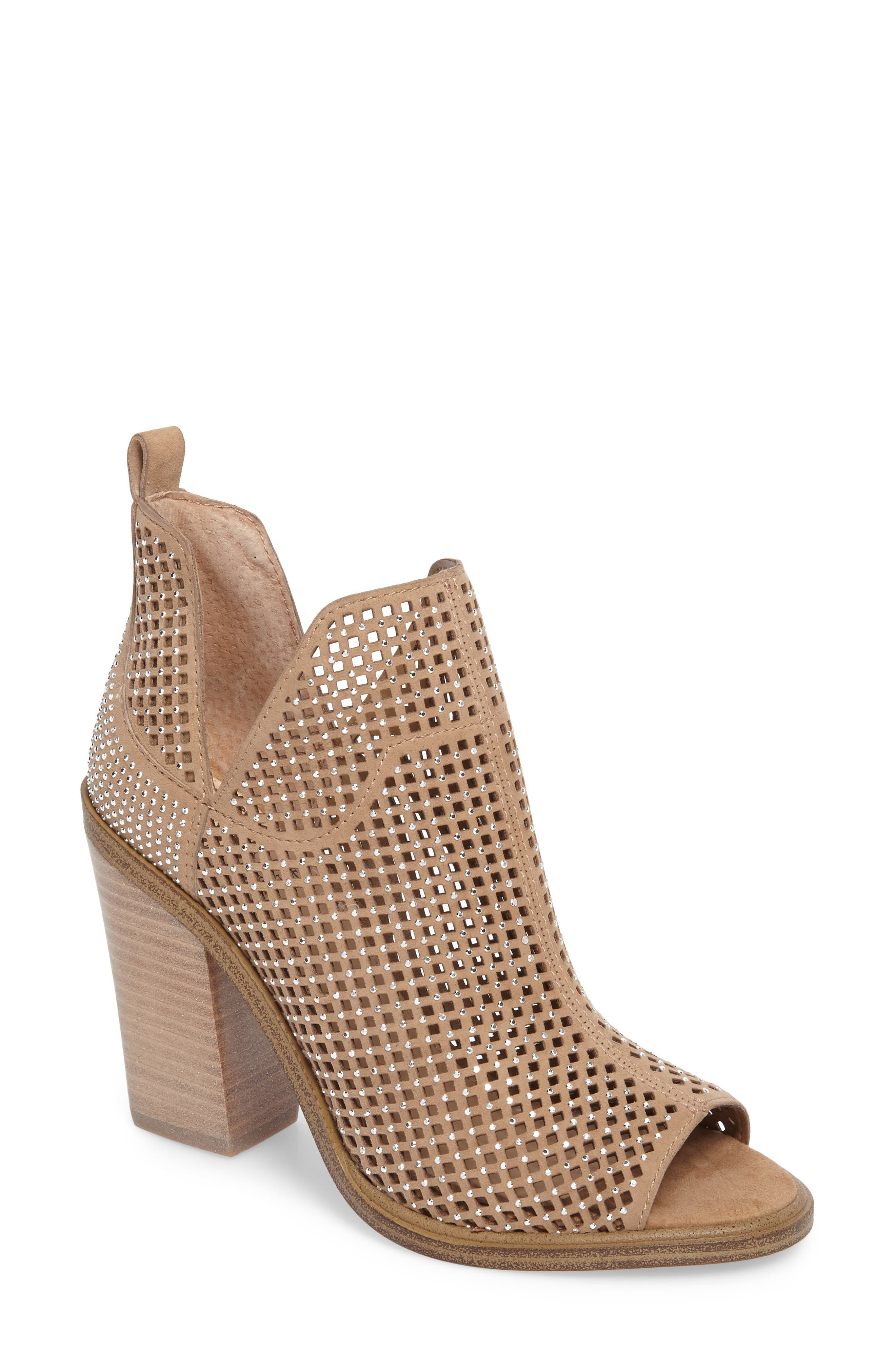 Alternate Image 1 Selected - Vince Camuto Kiminni Open Toe Bootie (Women)