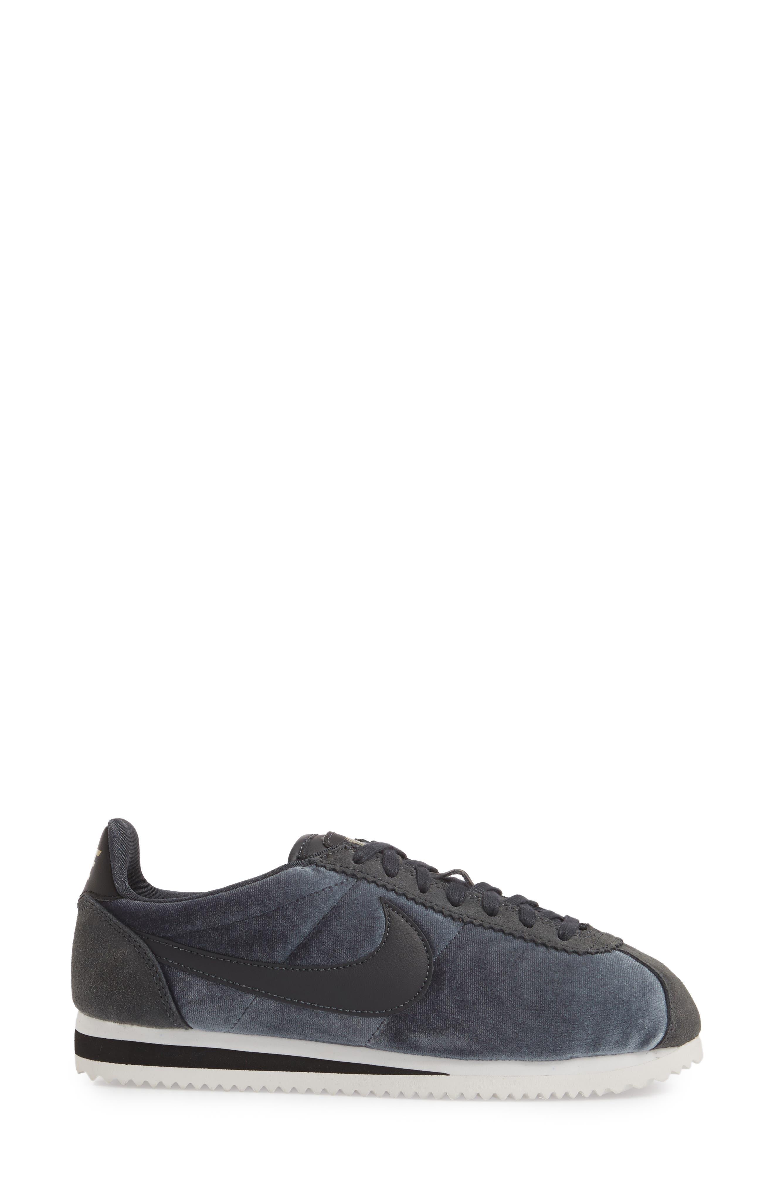 Alternate Image 3  - Nike Classic Cortez SE Sneaker (Women)