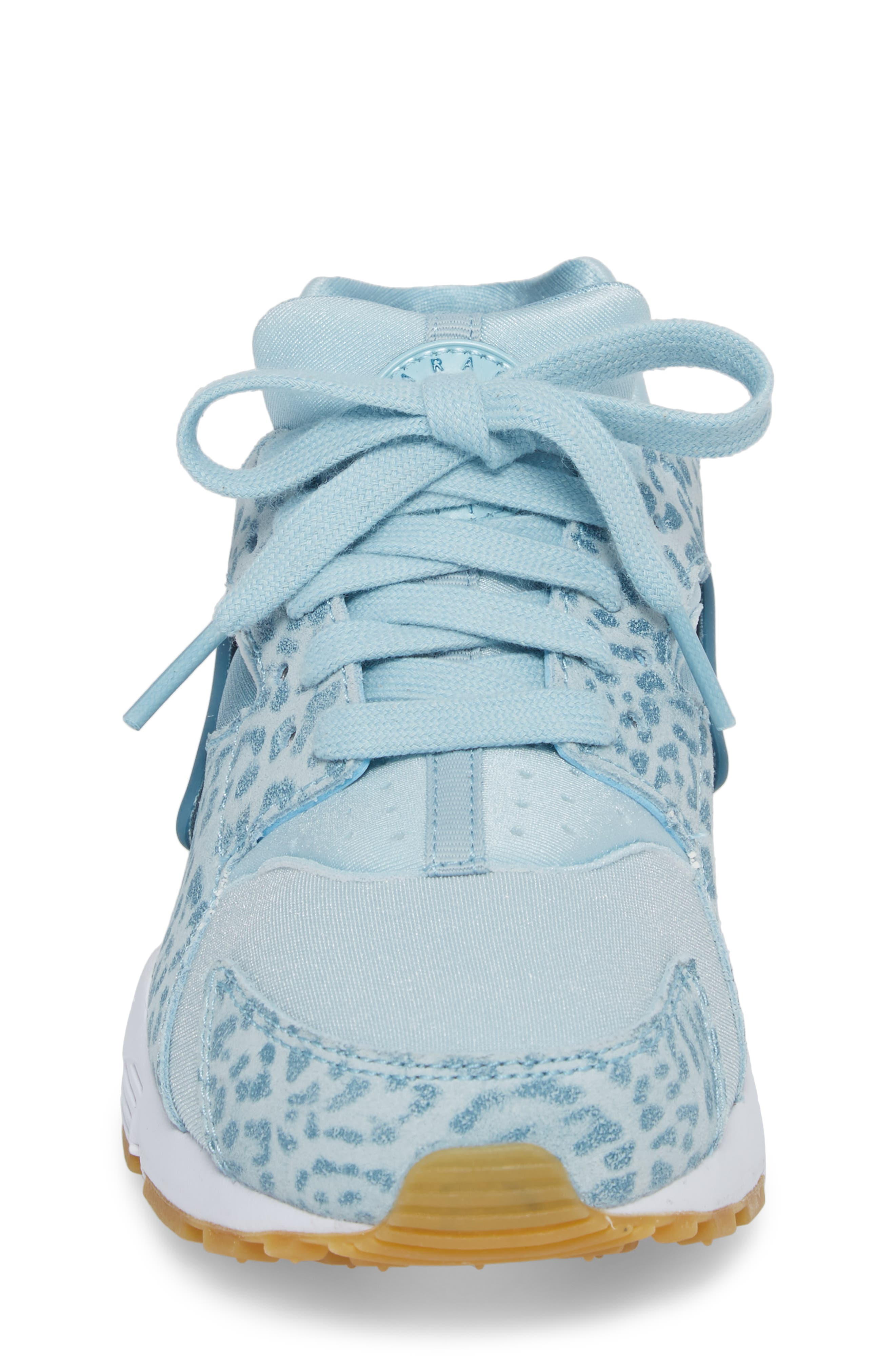 Alternate Image 4  - Nike Huarache Run SE Sneaker (Baby, Walker, Toddler, Little Kid & Big Kid)