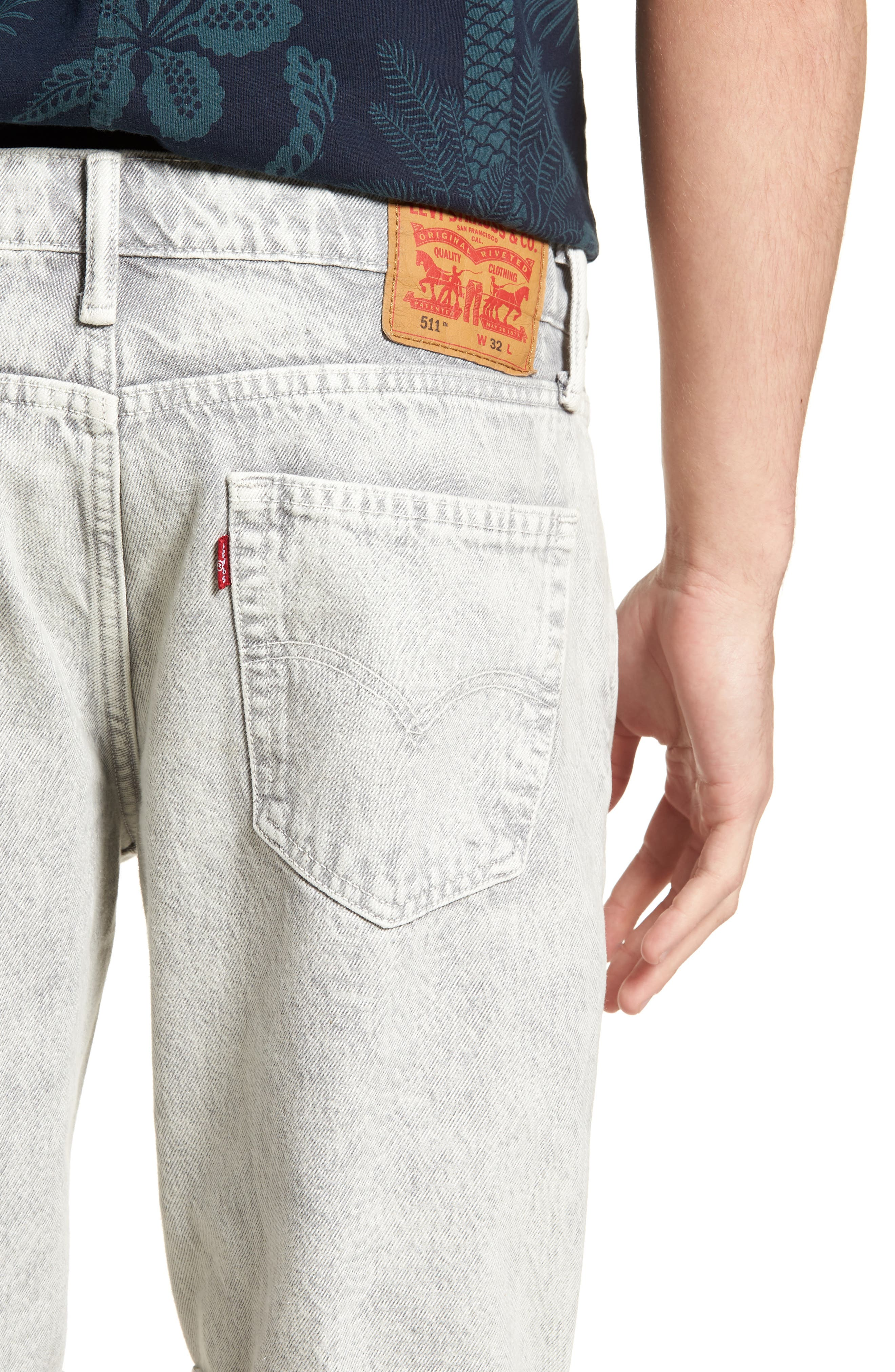 511<sup>™</sup> Cutoff Slim Fit Shorts,                             Alternate thumbnail 4, color,                             Silver Slippers