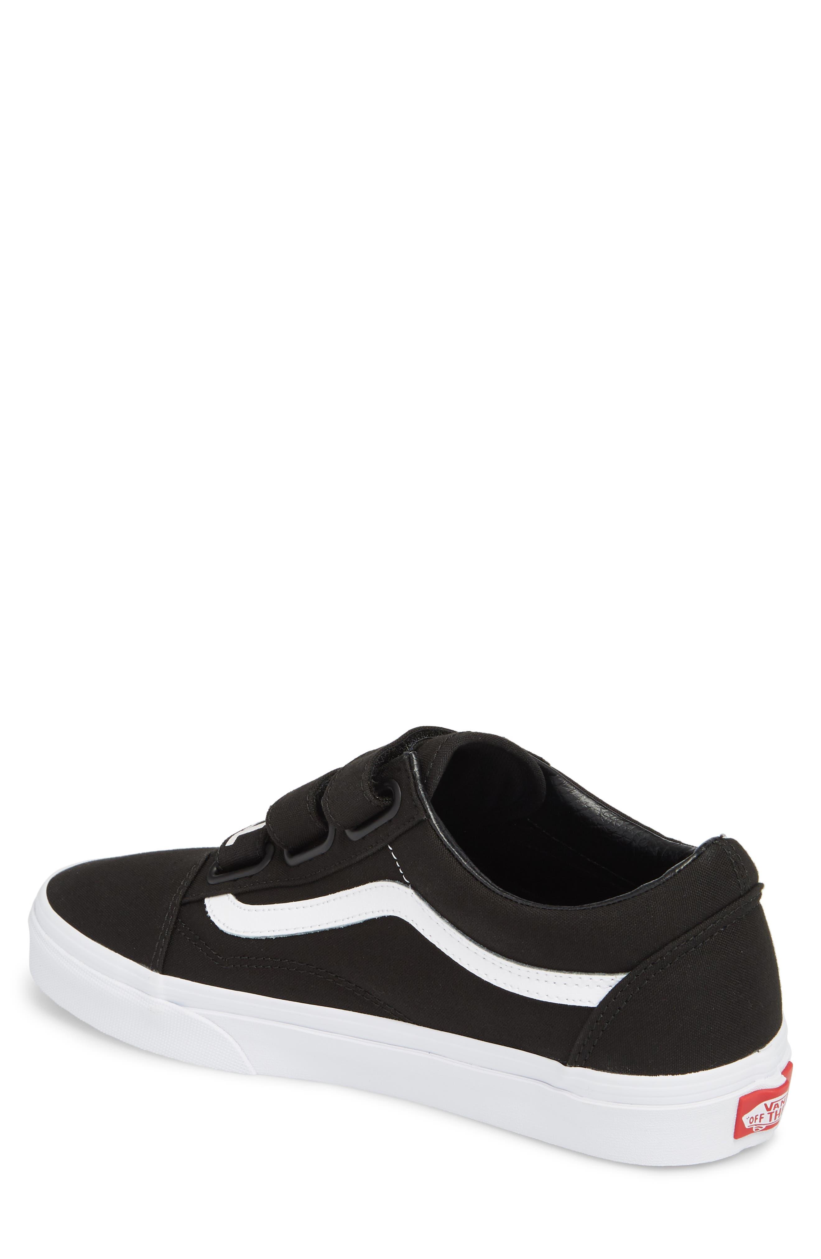 Off the Wall Old Skool V Sneaker,                             Alternate thumbnail 2, color,                             Black/ True White