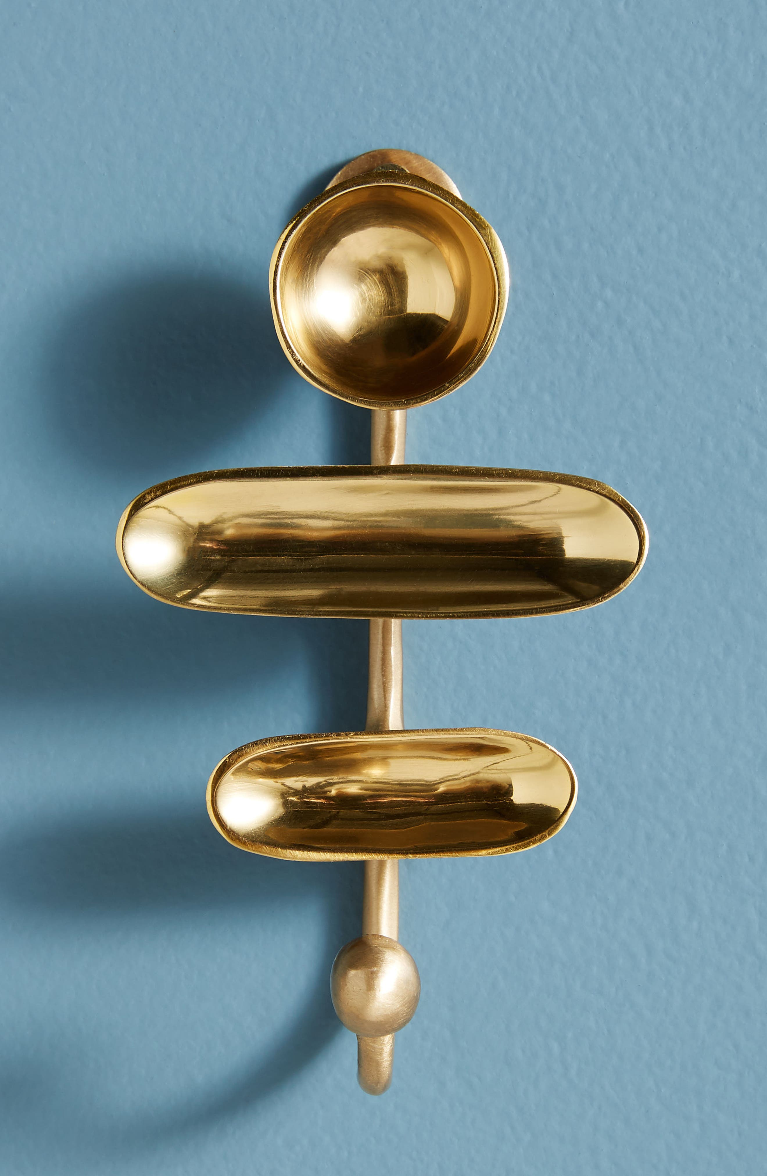 Patti Hook,                         Main,                         color, Bronze