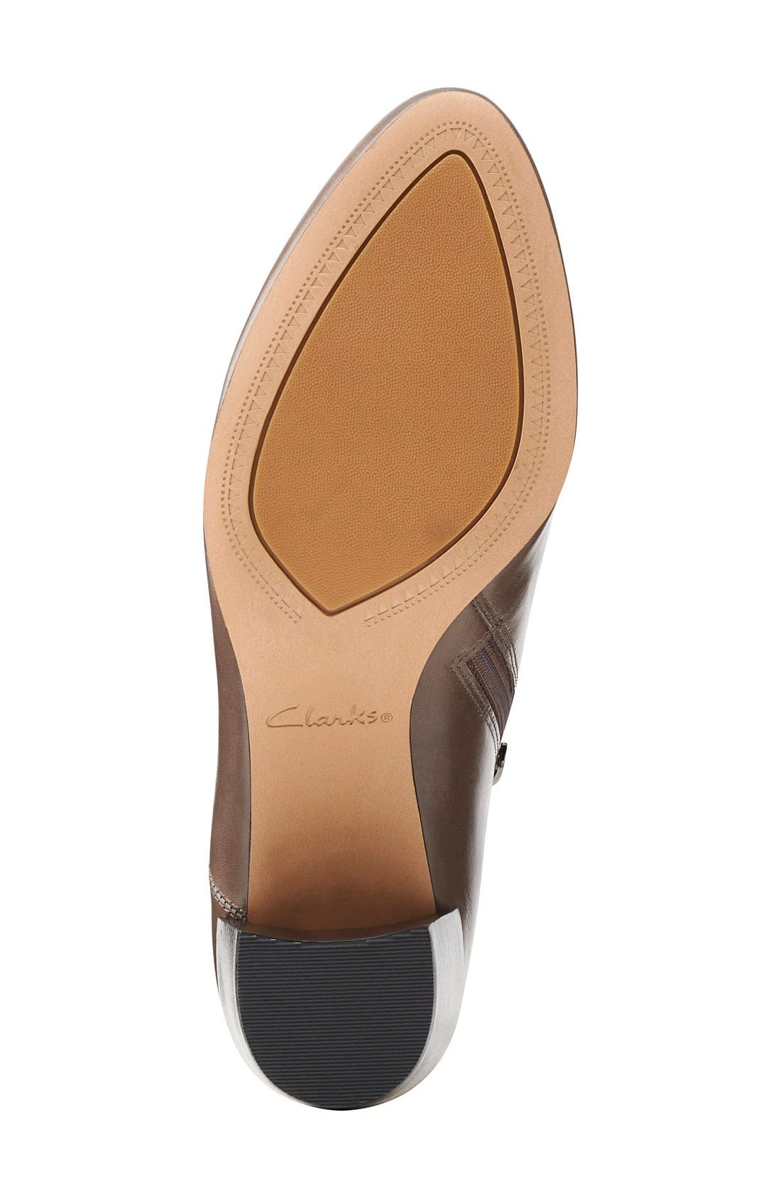 Alternate Image 4  - Clarks® Narrative 'Cleaves Vibe' Bootie (Women)