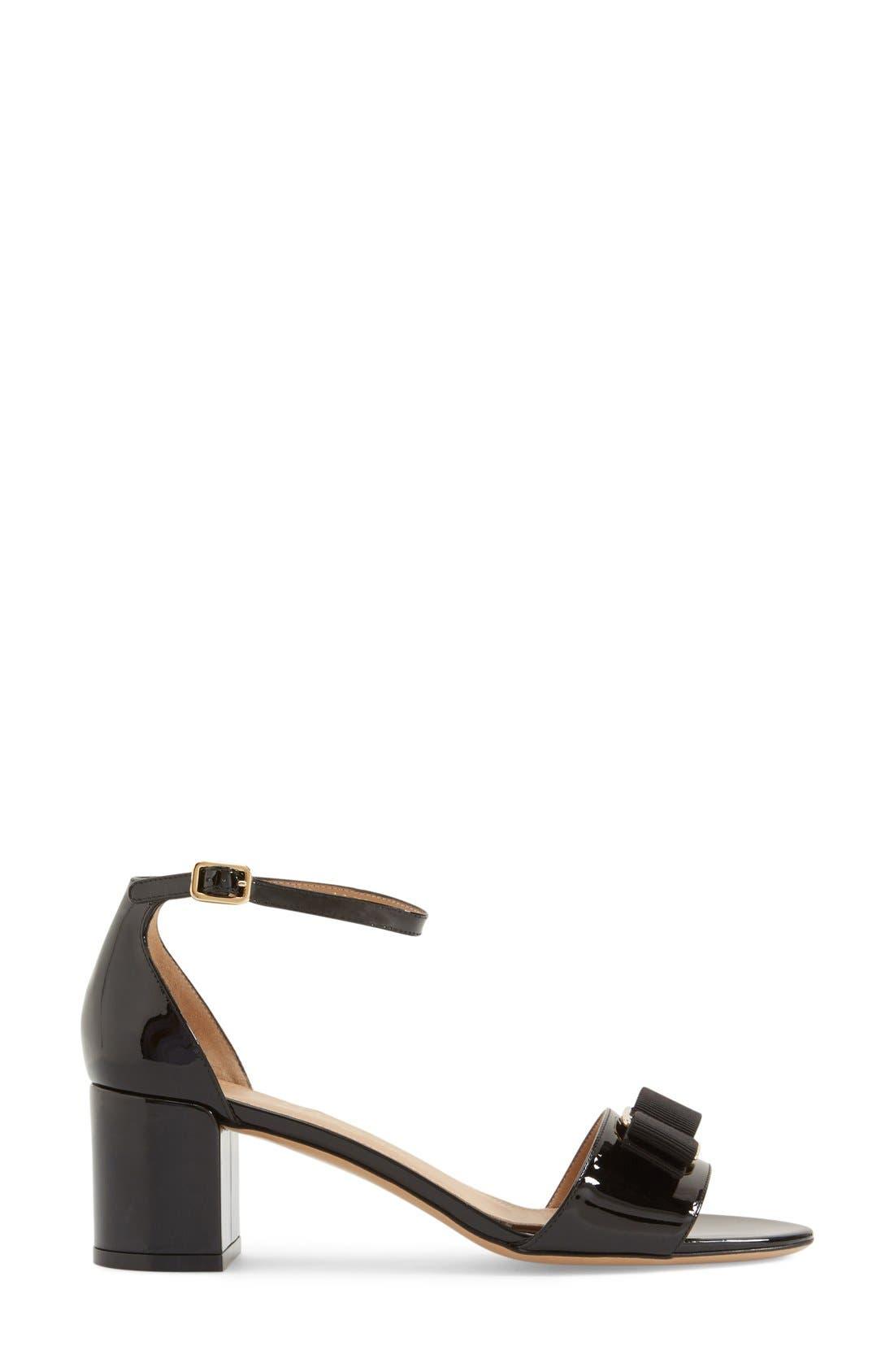 Gavina Block Heel Bow Sandal,                             Alternate thumbnail 4, color,                             Black Patent