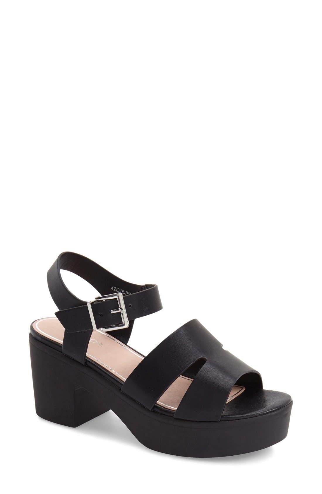 Alternate Image 1 Selected - Topshop 'Den' Platform Sandal (Women)