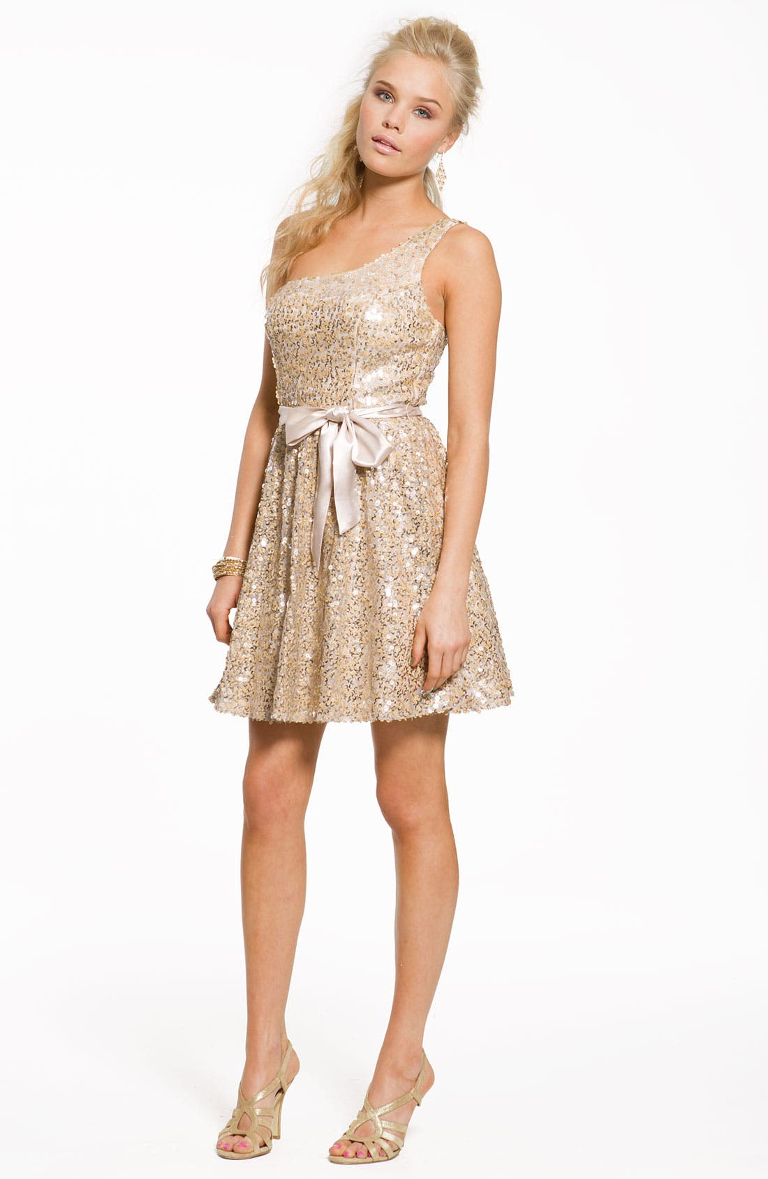 Alternate Image 4  - Way-In One Shoulder Sequin Sash Dress (Juniors)