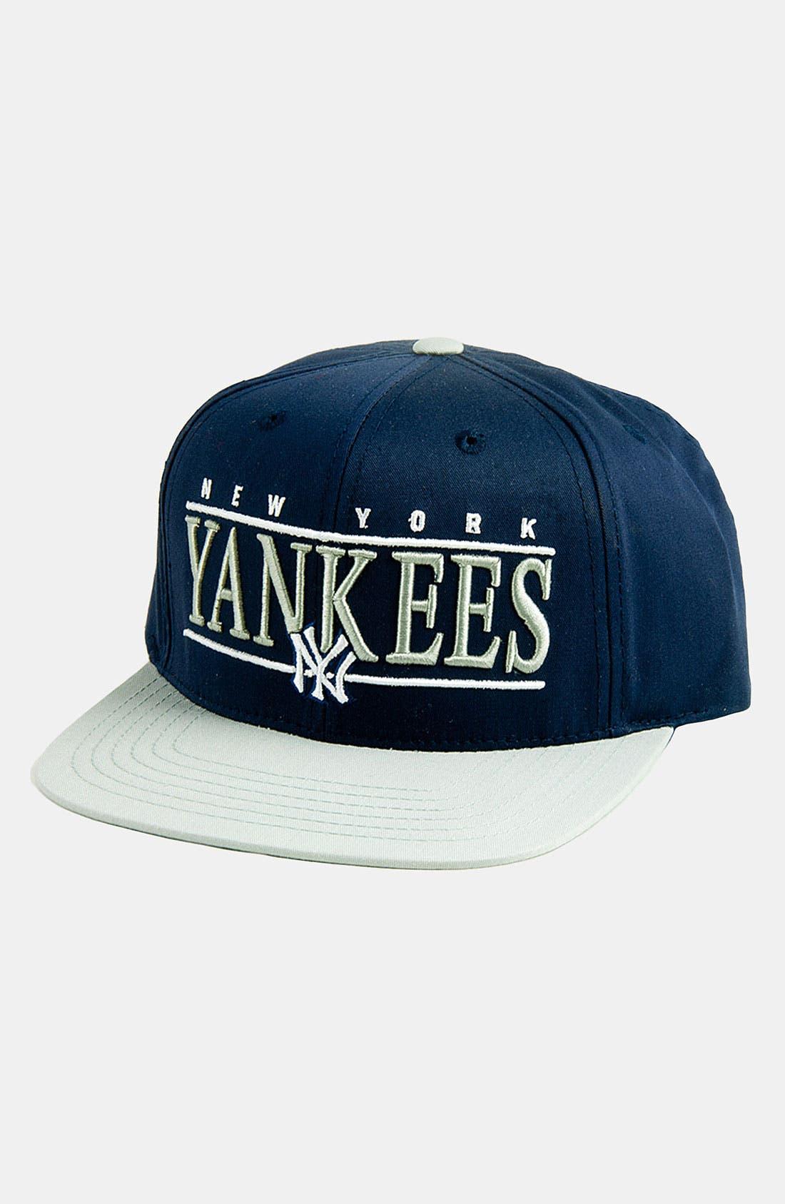 Main Image - American Needle 'New York Yankees - Nineties' Twill Snapback Baseball Cap
