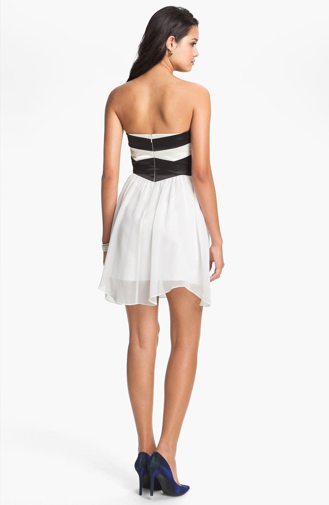 Alternate Image 2  - Hailey Logan Sweetheart Chiffon Dress (Juniors) (Online Only)