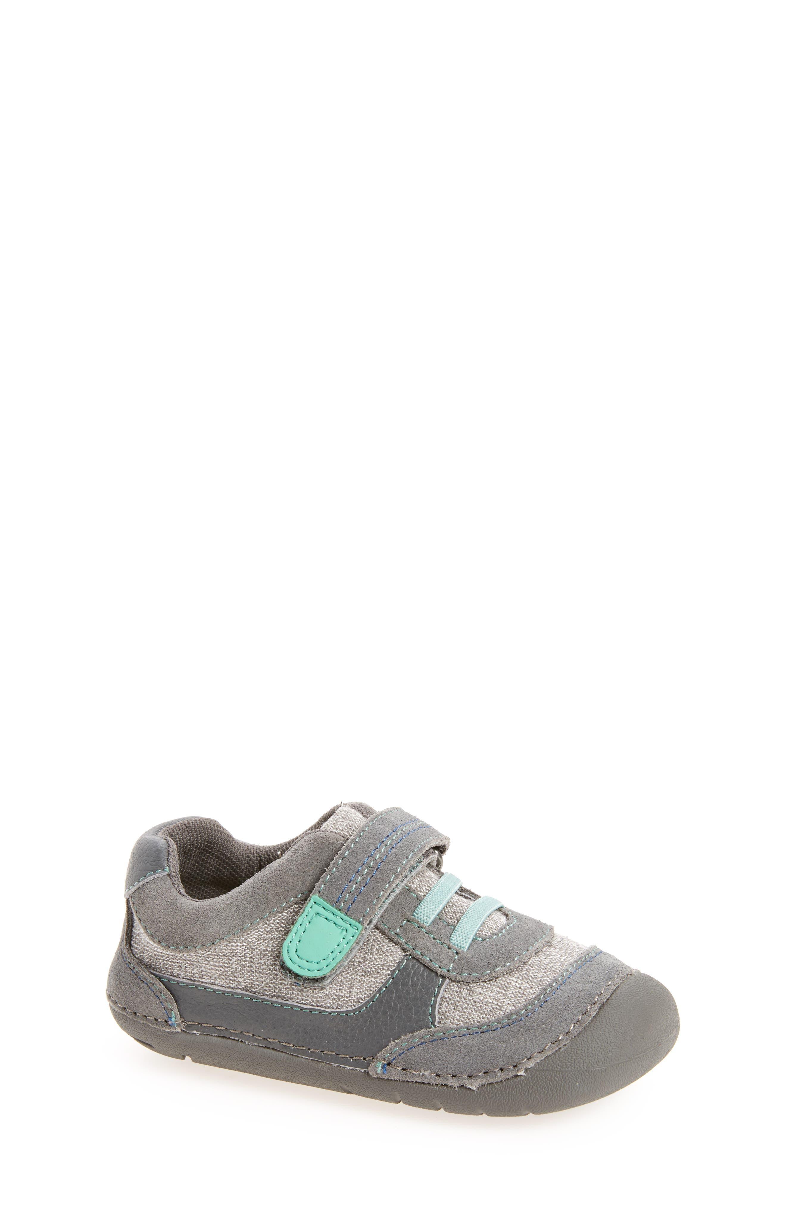 Tucker + Tate Raycer Sneaker (Baby & Walker)