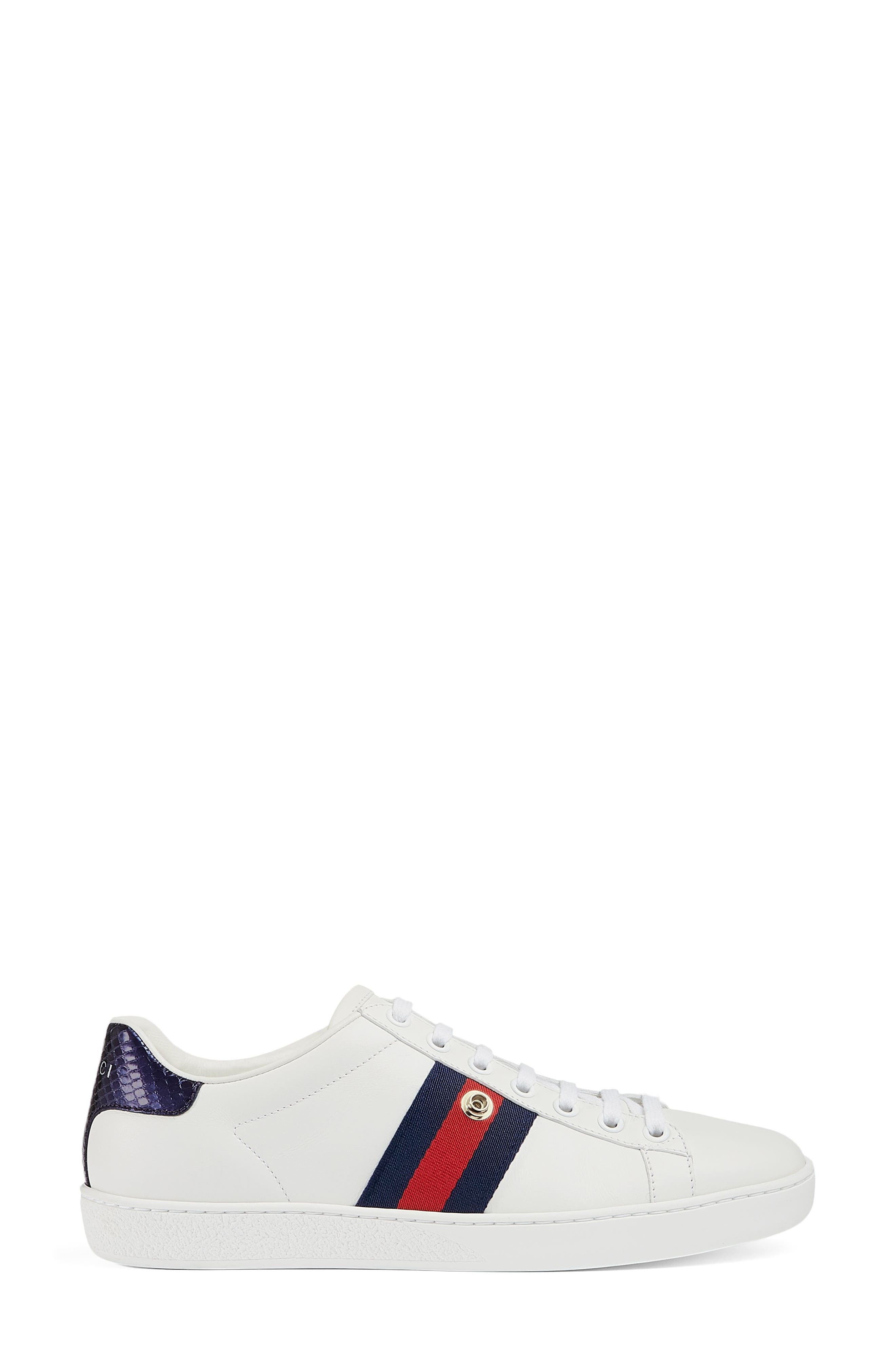 Gucci Women's New Ace Pineapple Embroidered Patch Low Top Sneaker Wyj61tADKm