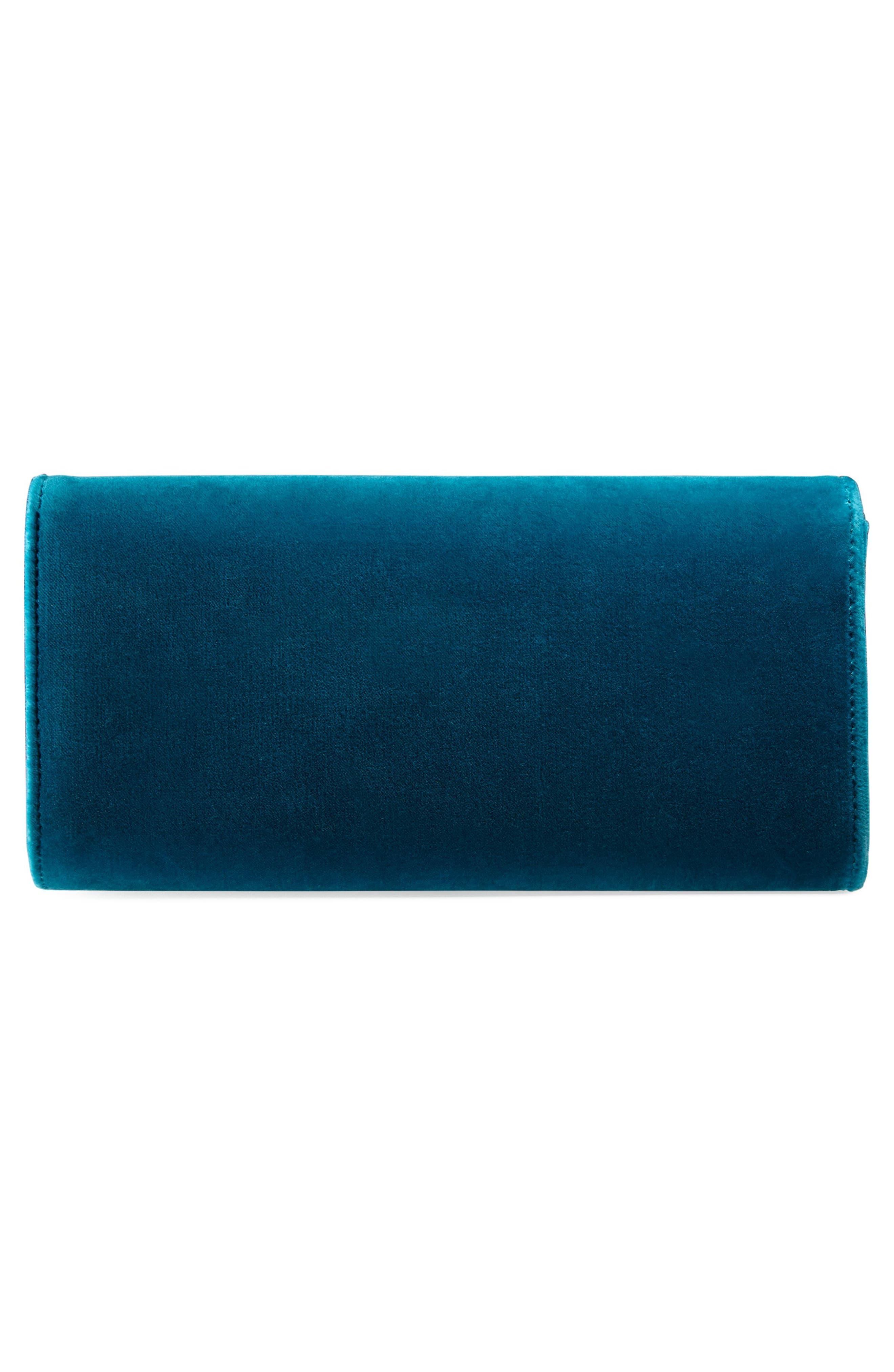 d1240f18d82d Shop Gucci Dionysus Velvet Clutch - Blue In Pivone Blk Diamond