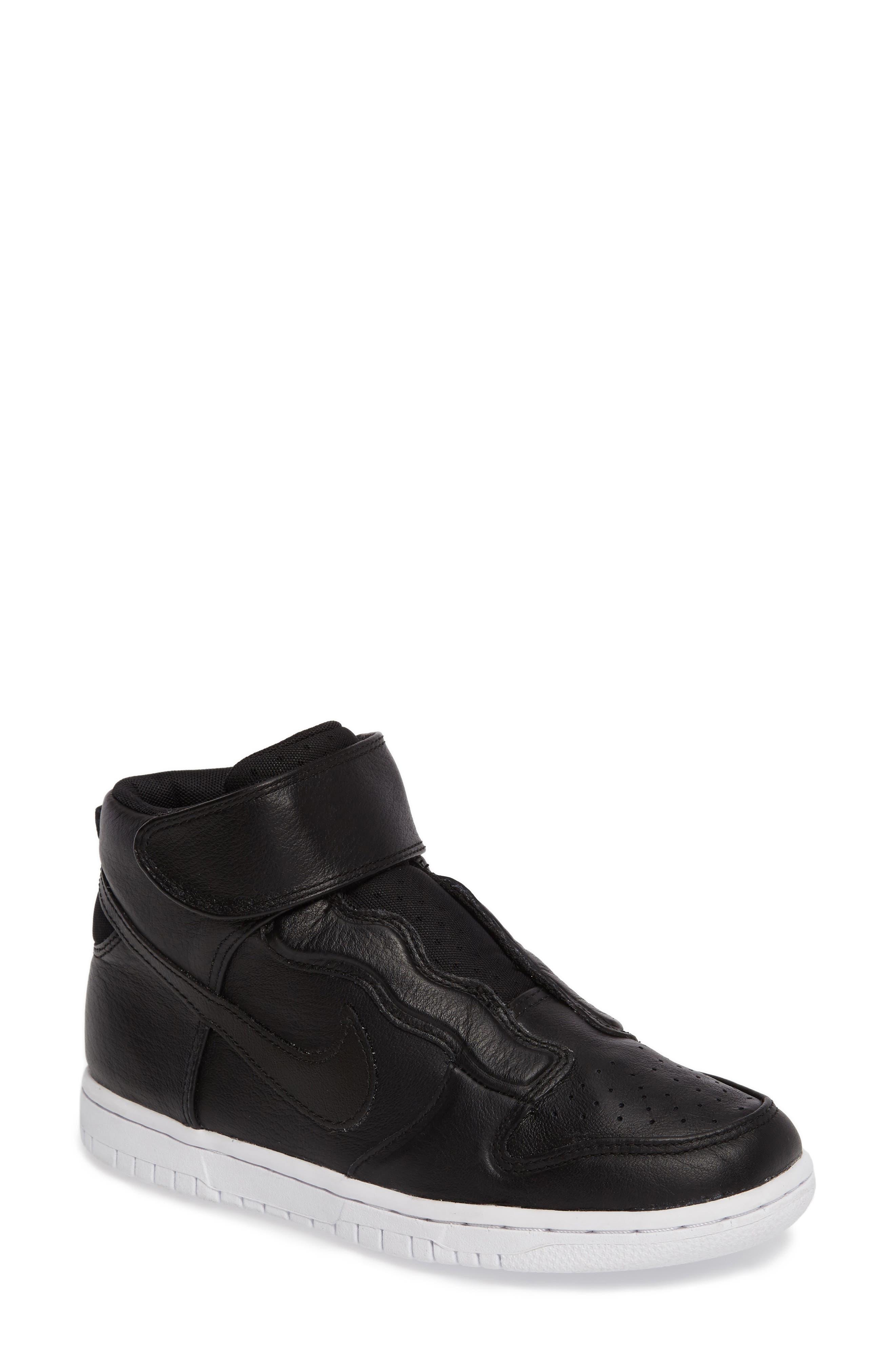 NIKE Dunk Hi Ease Sneaker