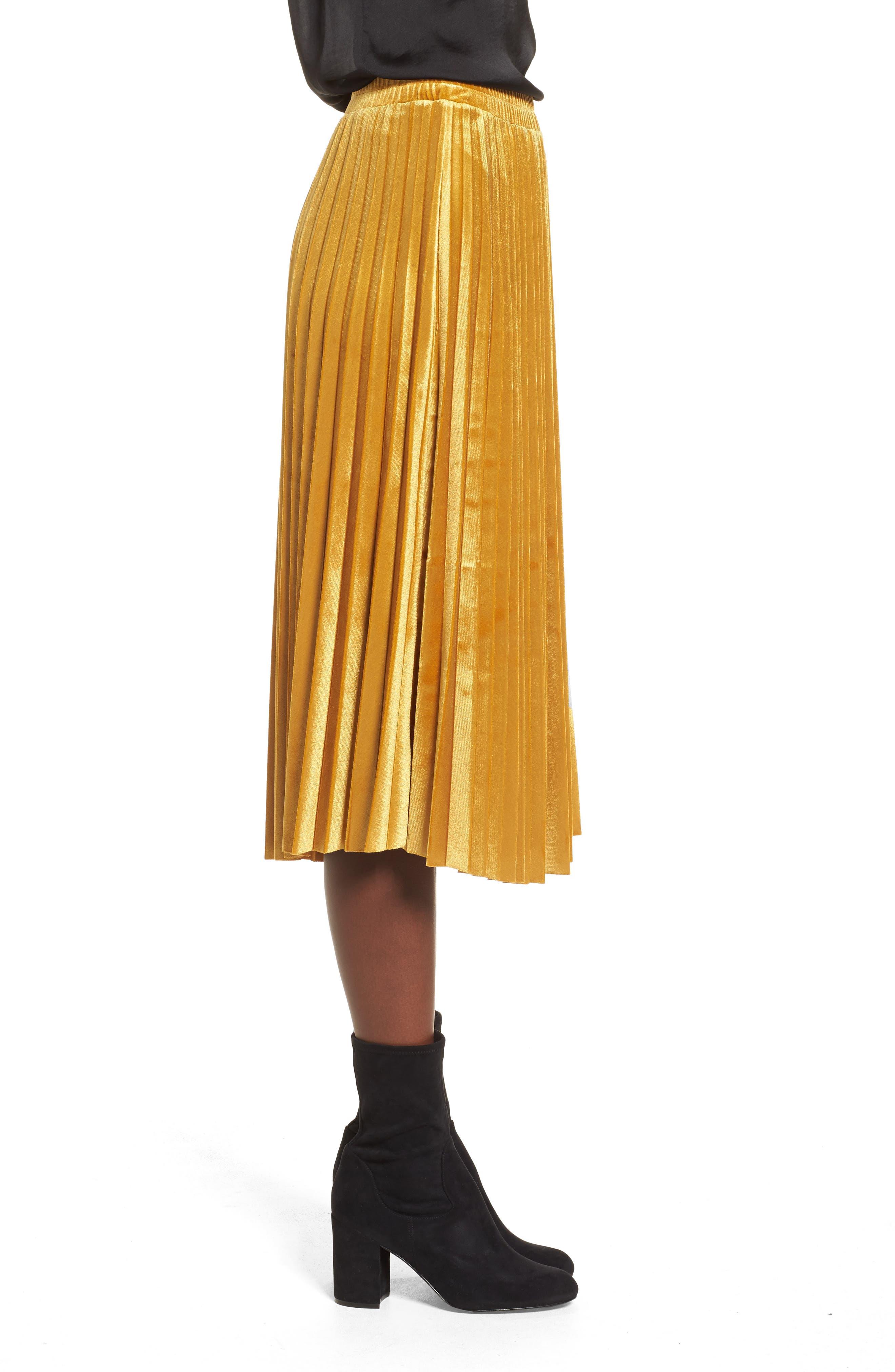 Alternate Image 4  - Chelsea28 Pleated Velvet Skirt