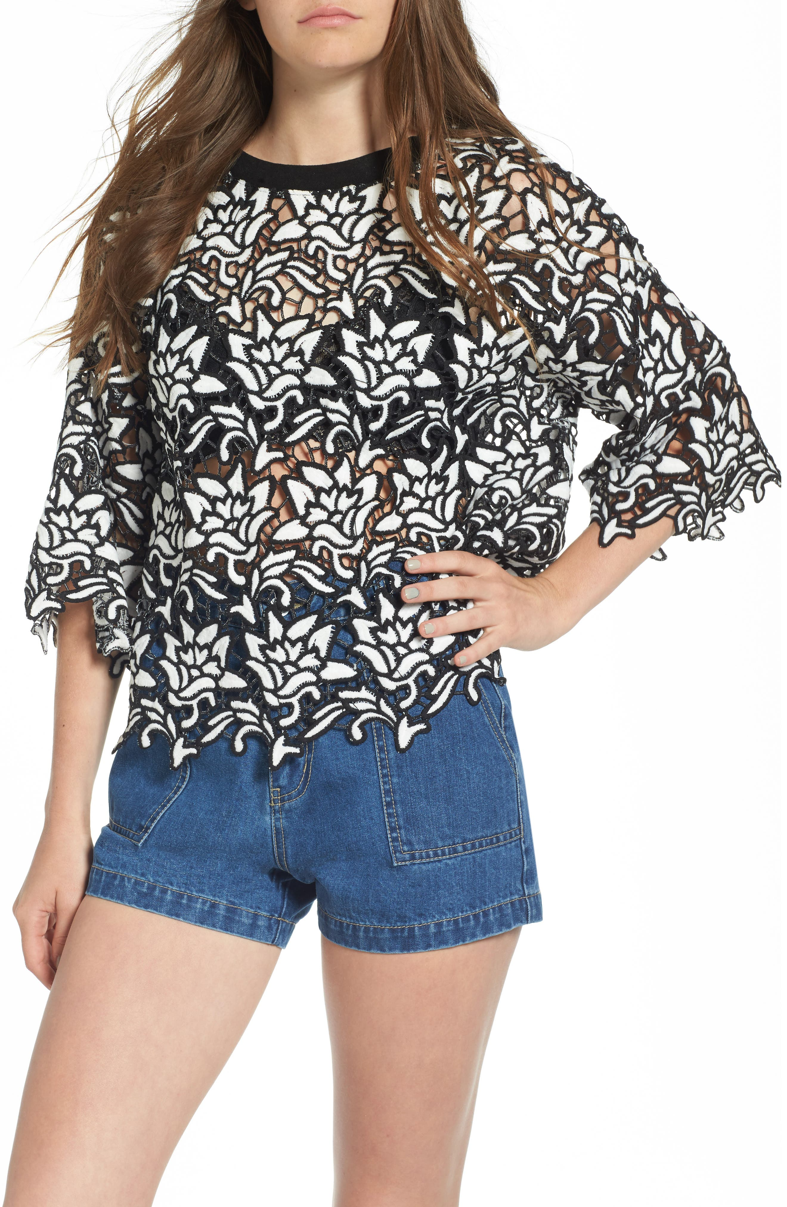 Alternate Image 1 Selected - MOON RIVER Lace Boxy Top