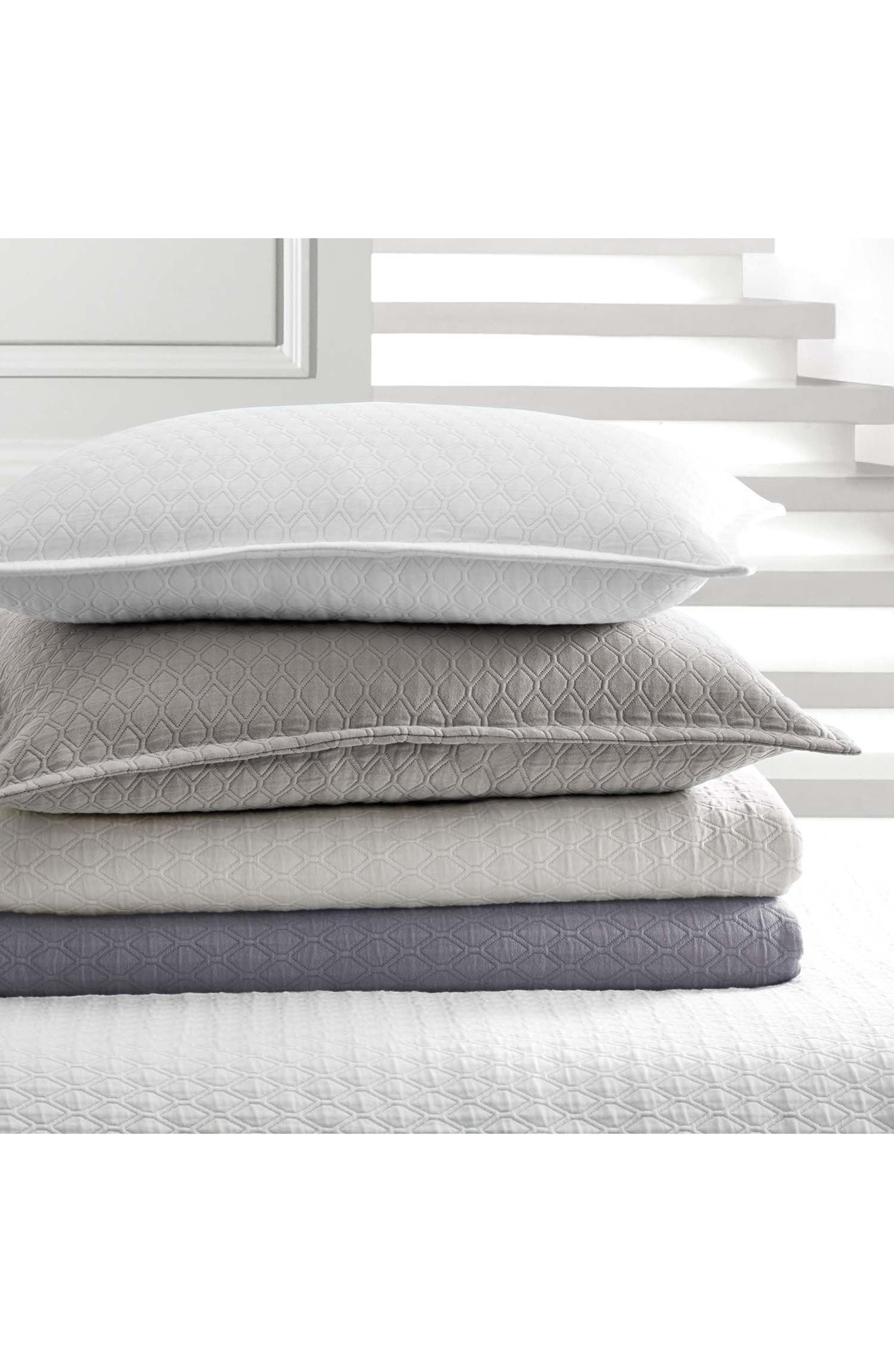 Alternate Image 3  - Vera Wang Puckered Diamond Matelassé Coverlet