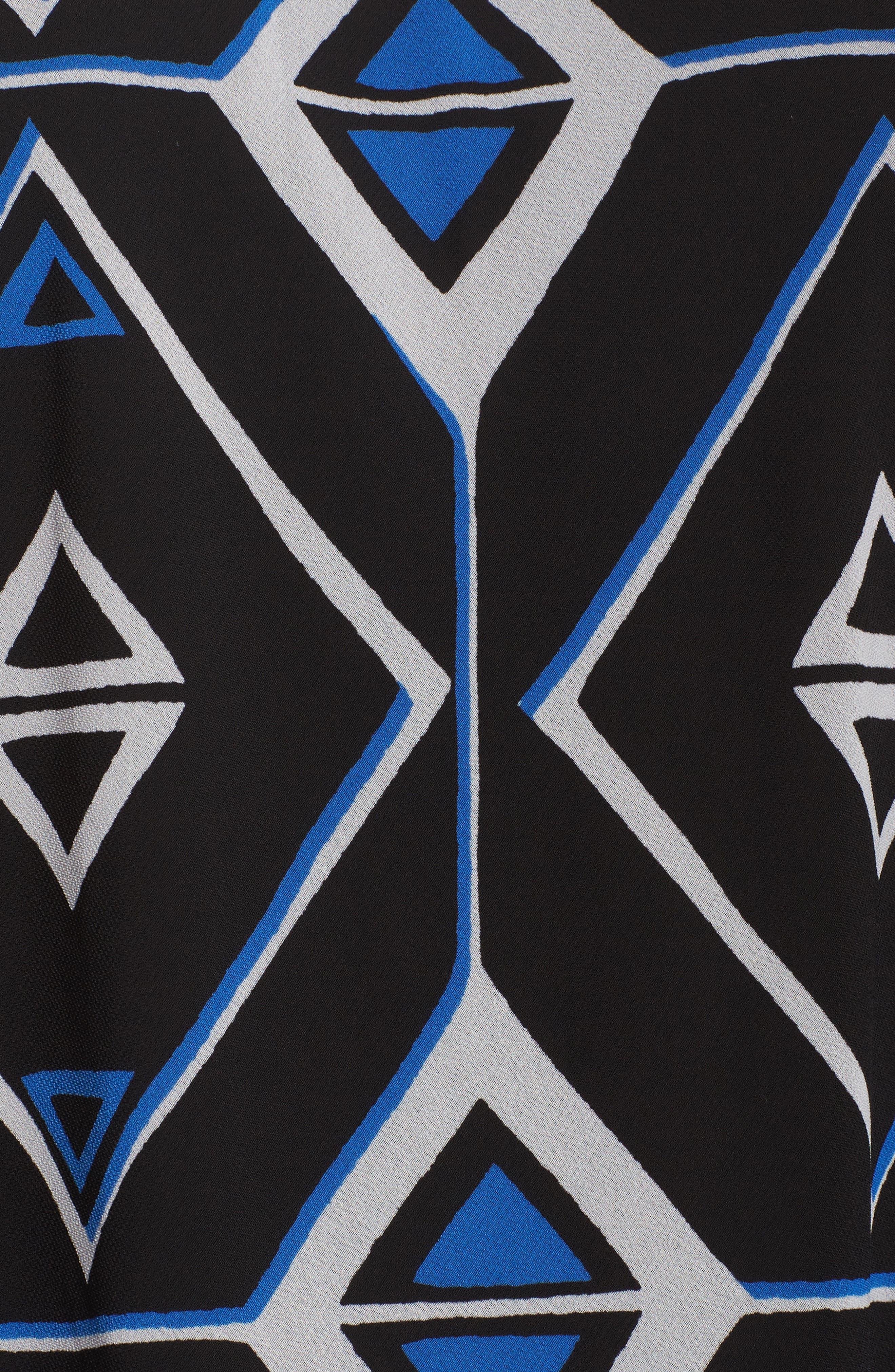 Alternate Image 5  - Vince Camuto Graphic Chiffon Handkerchief Blouse (Plus Size)