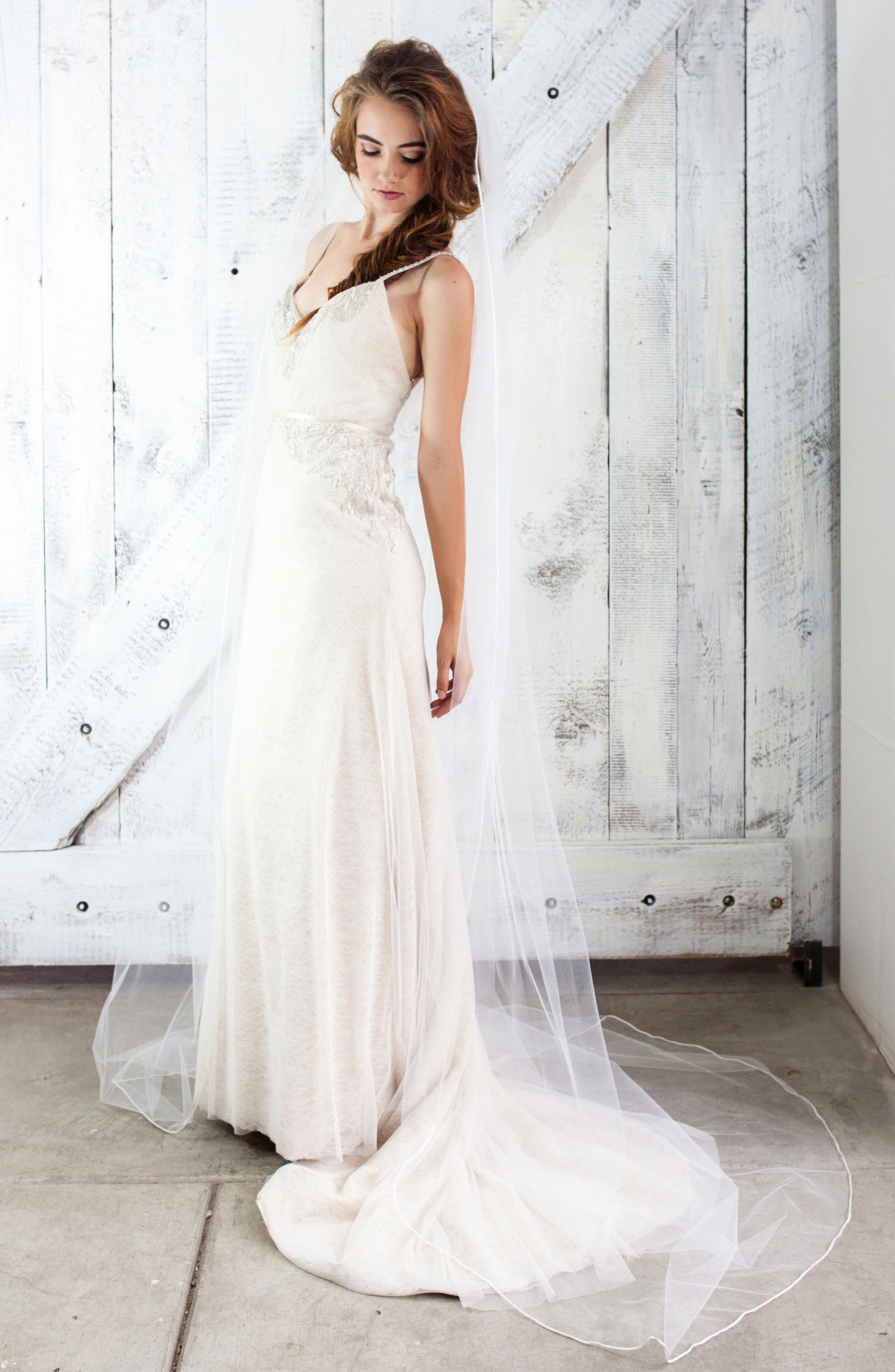 Kauai Mesh Bridal Veil,                             Main thumbnail 1, color,                             Light Ivory