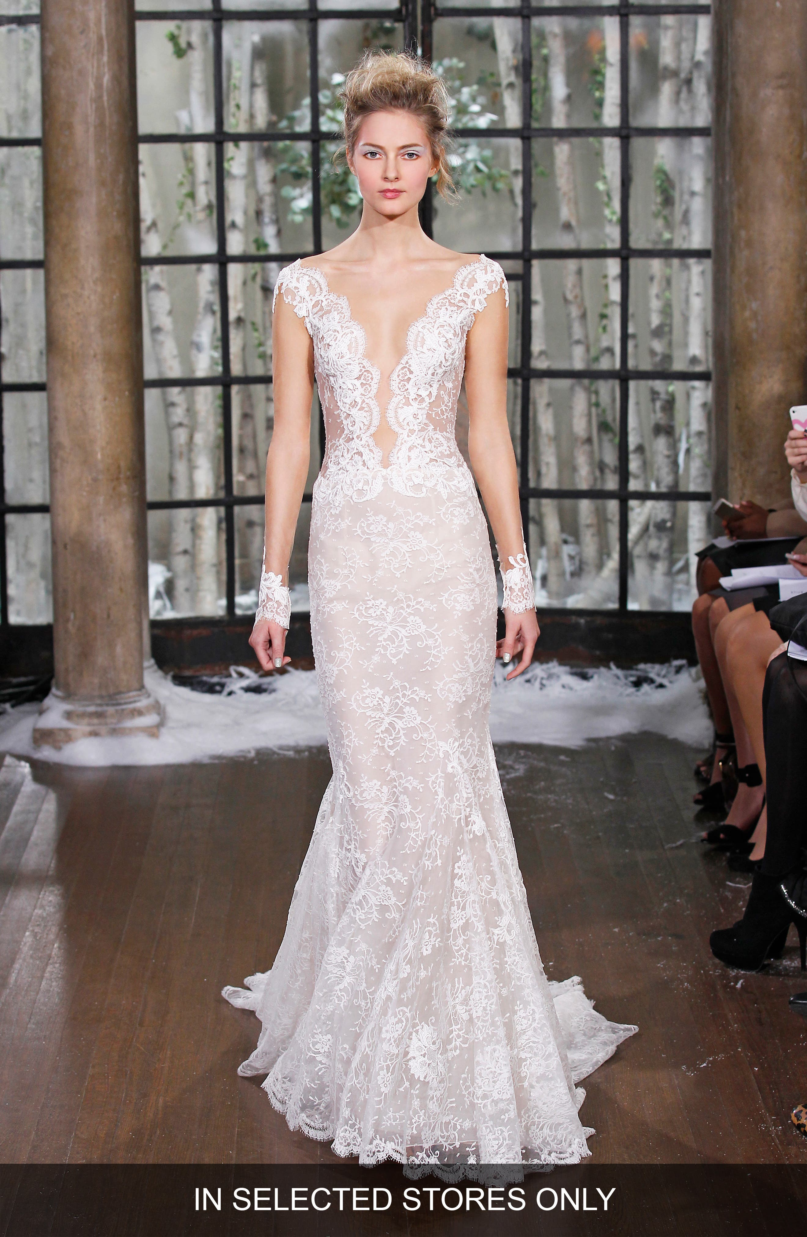Ines Di Santo Madrid Chantilly Lace Trumpet Gown