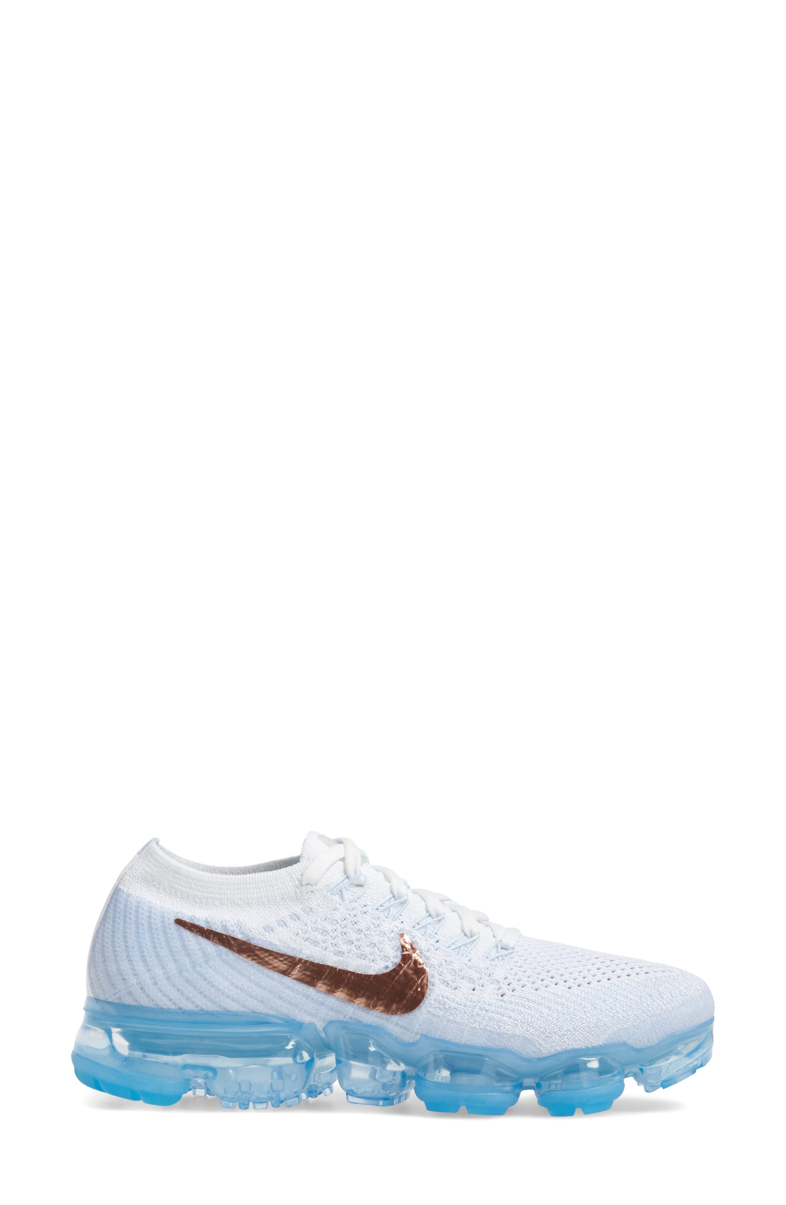 Alternate Image 3  - Nike Air VaporMax Flyknit Running Shoe (Women)