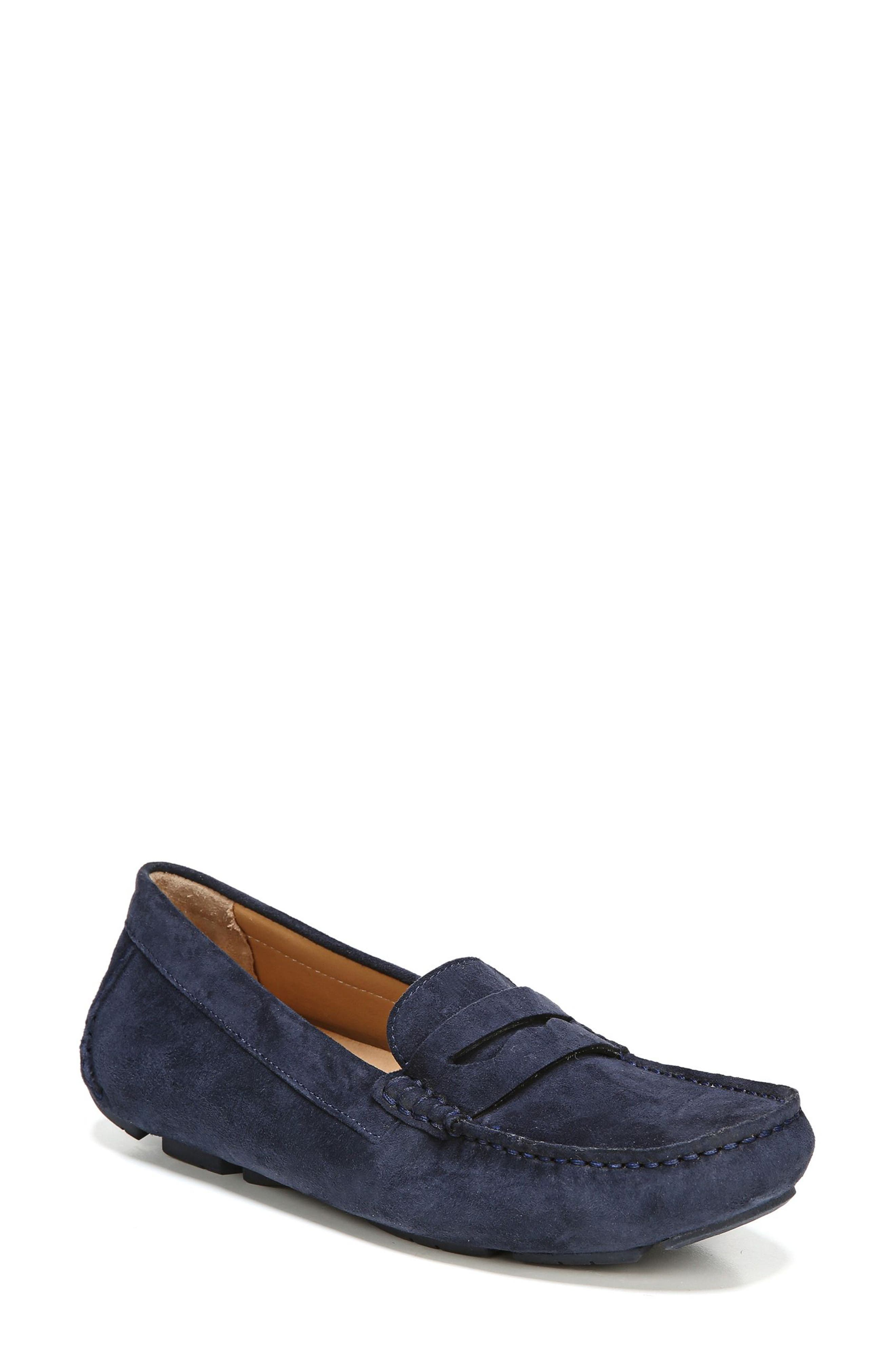Naturalizer Natasha Loafer (Women)