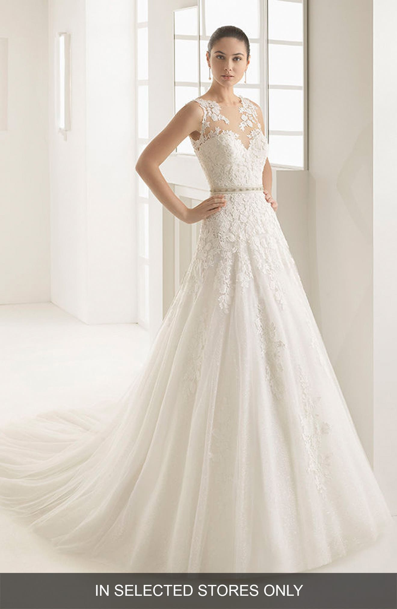 Oda Sleeveless Lace & Tulle Gown,                         Main,                         color, Natural