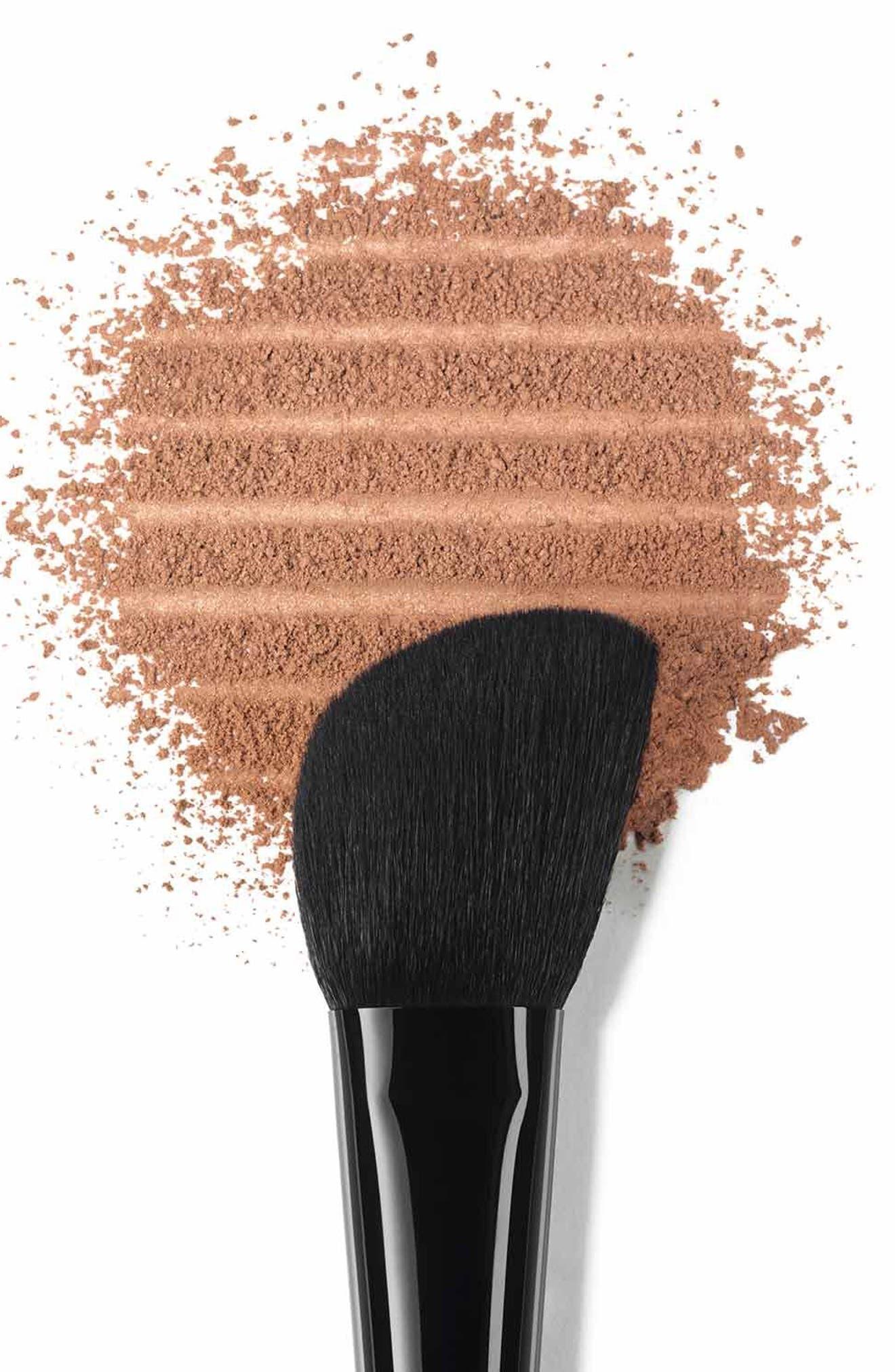 Alternate Image 2  - CHANEL LES PINCEAUX DE CHANEL  Contouring Brush