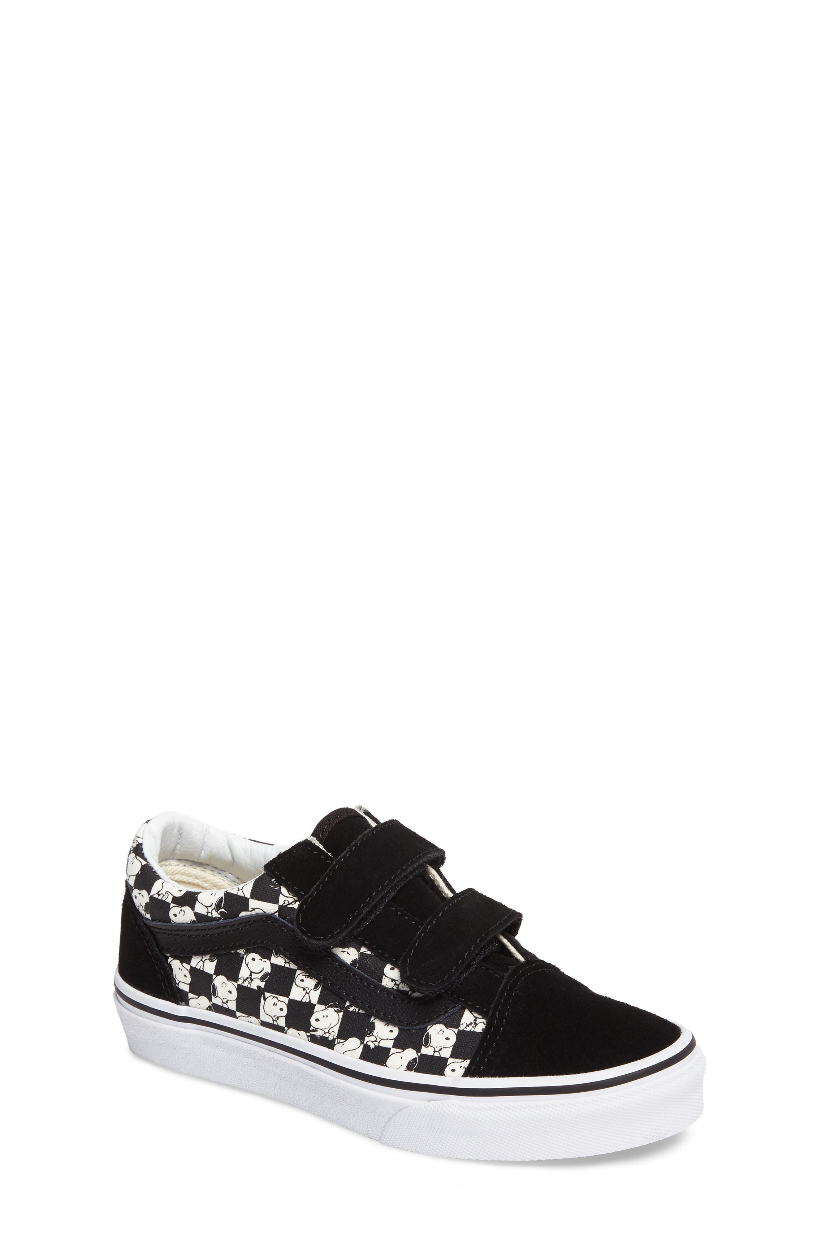 Main Image - Vans x Peanuts Old Skool V Low Top Sneaker (Baby, Walker, Toddler, Little Kid & Big Kid)