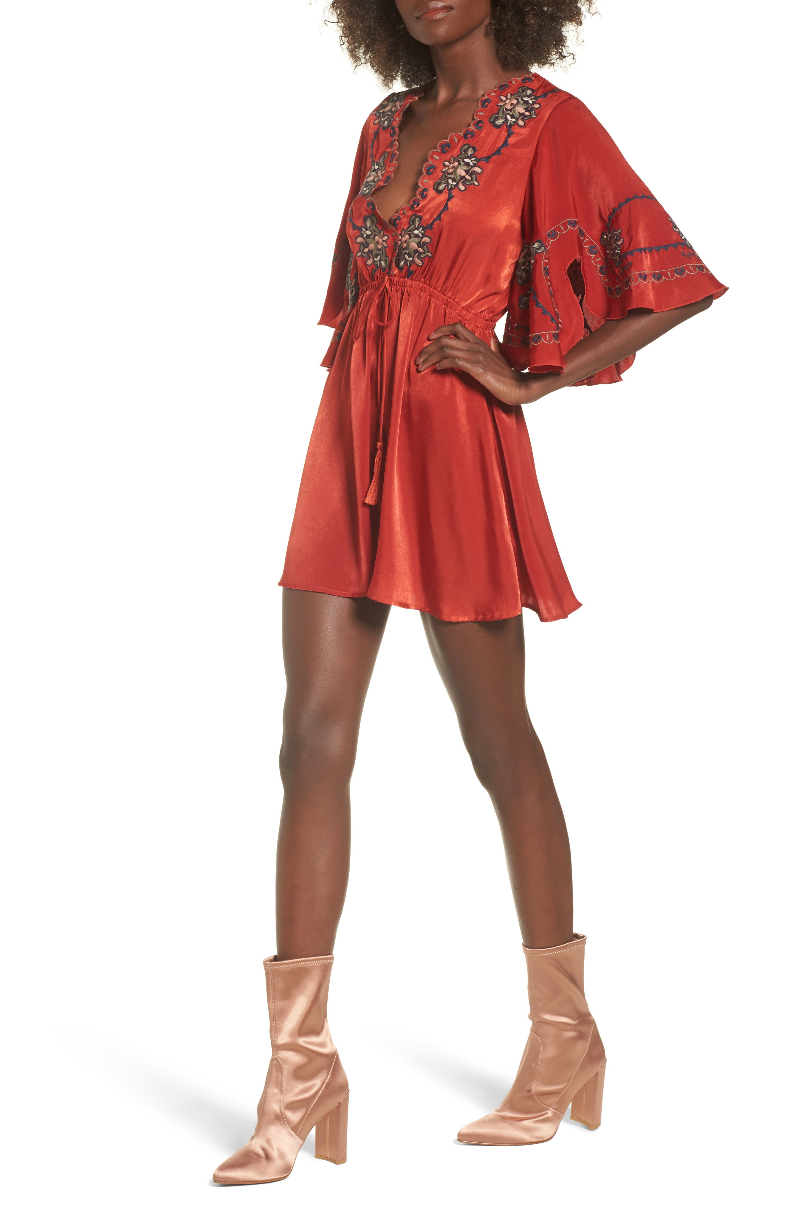 Main Image - MOON RIVER Embroidered Babydoll Dress
